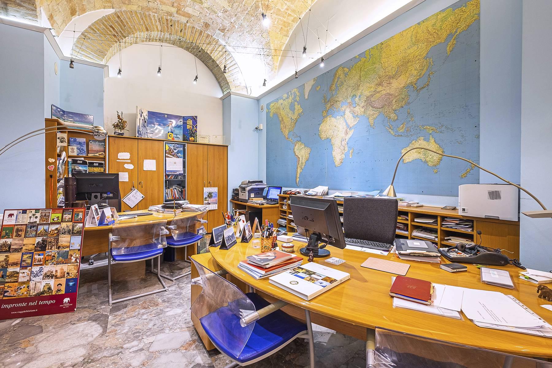Negozio-locale in Vendita a Roma: 5 locali, 180 mq - Foto 1
