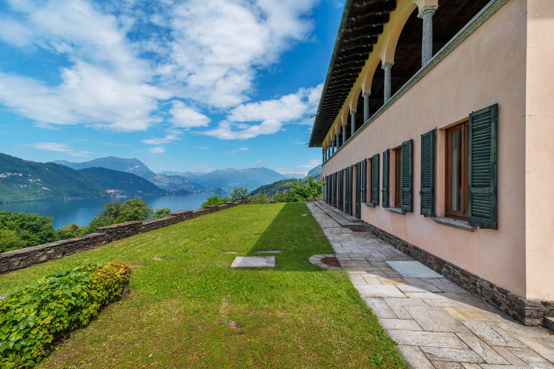 Villa in Vendita a Mandello Del Lario via viale della costituzione