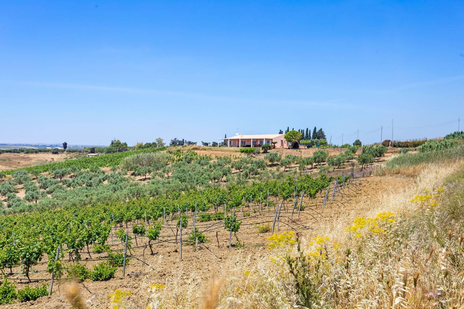 Villa in Vendita a Castelvetrano: 5 locali, 180 mq