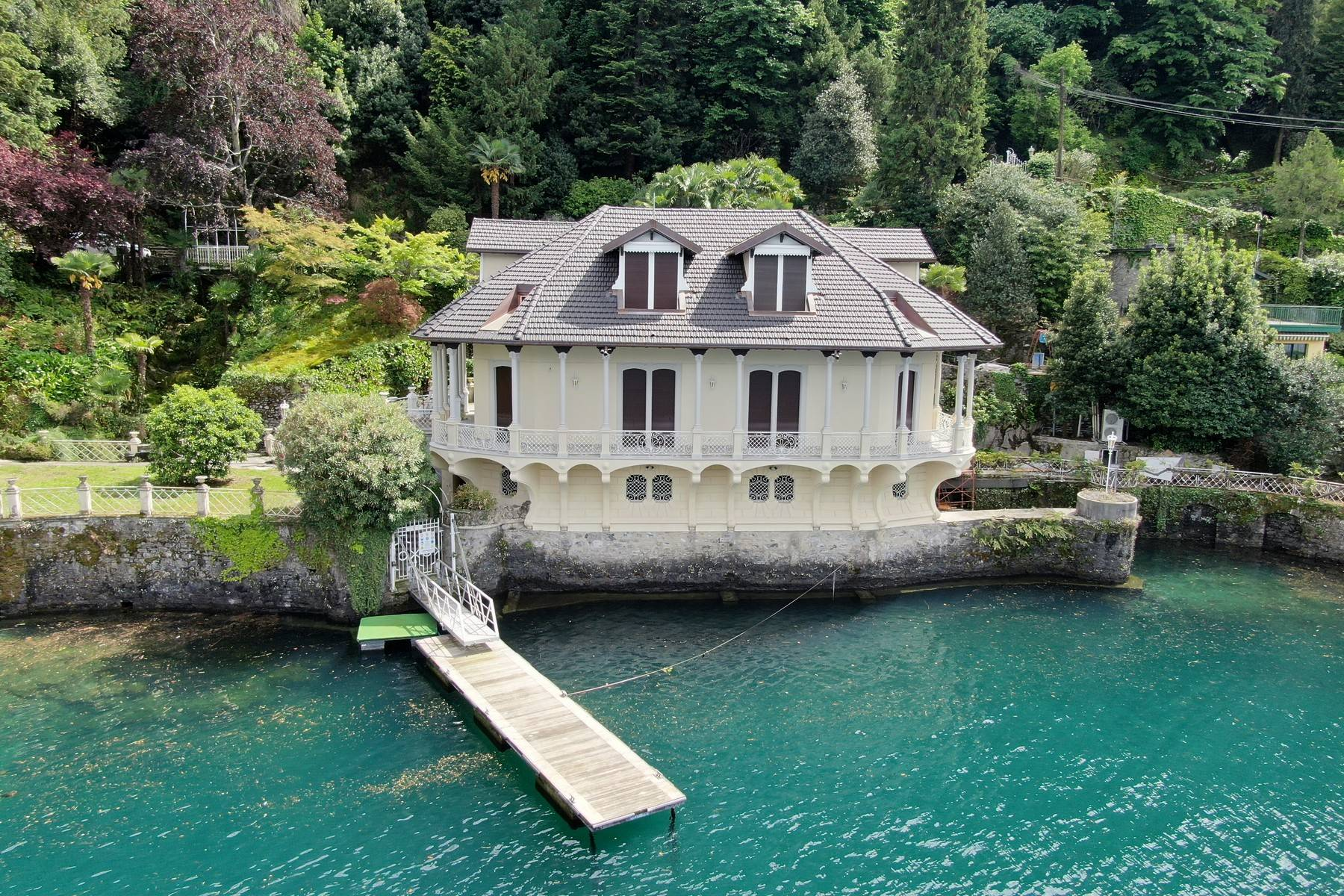 Villa in Vendita a Como via torno