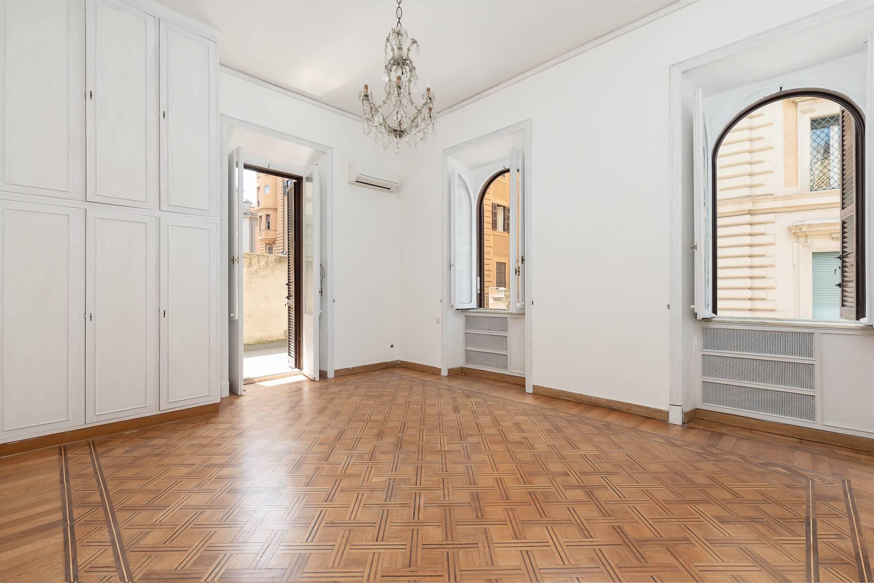 Appartamento in Vendita a Roma via tevere