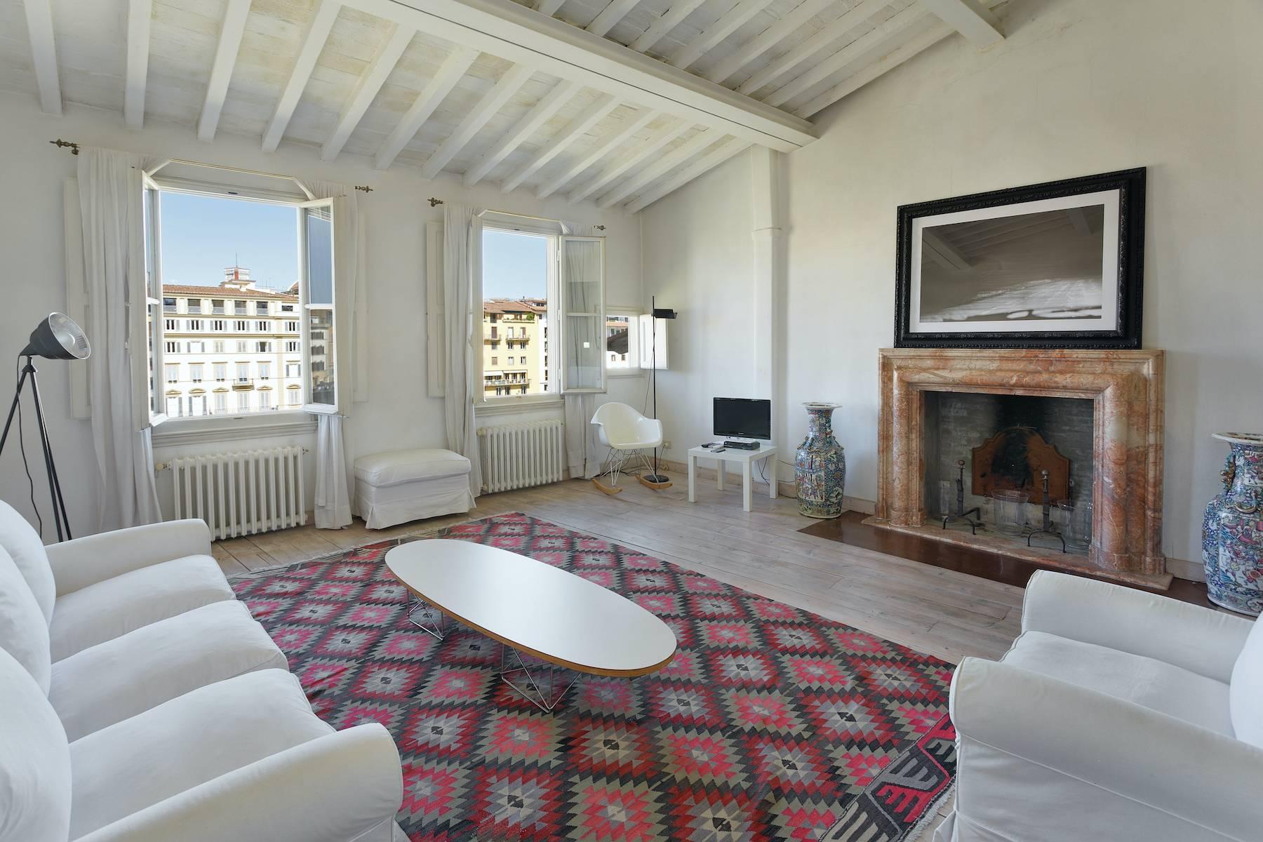 Appartamento in Affitto a Firenze borgo san jacopo