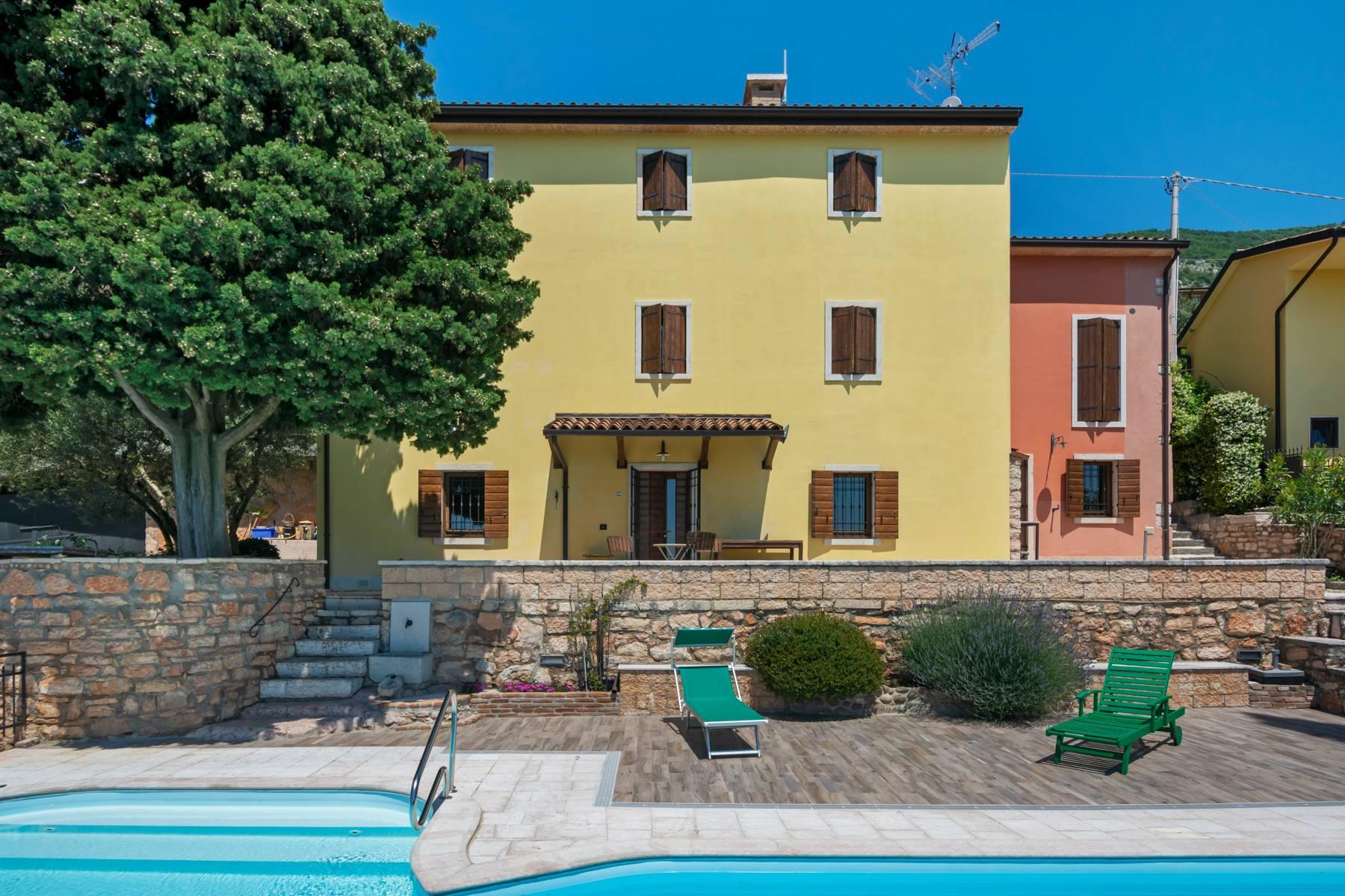 Rustico in Vendita a Sant'Ambrogio Di Valpolicella: 5 locali, 300 mq