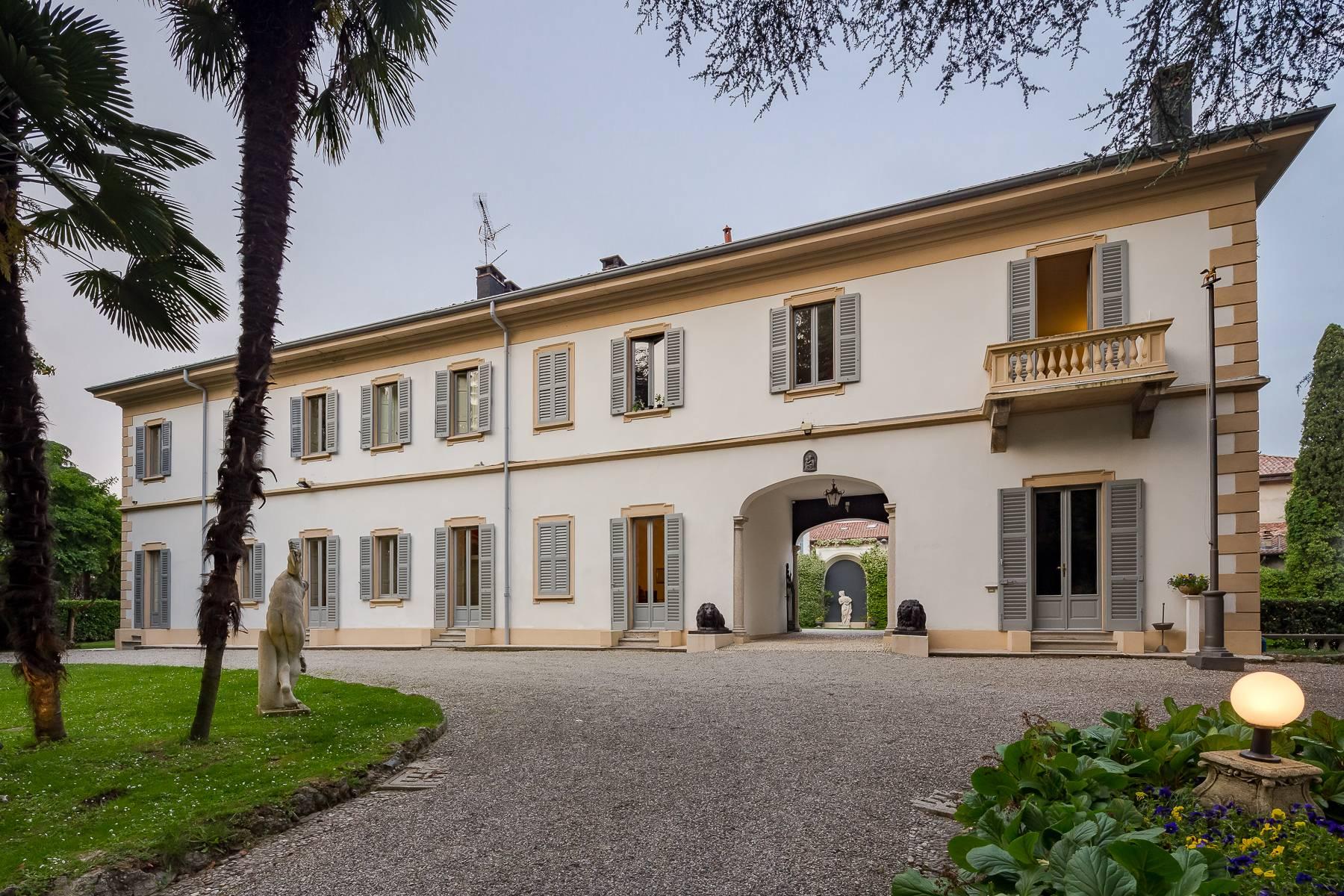 Villa in Vendita a Besana In Brianza: 5 locali, 1600 mq - Foto 2