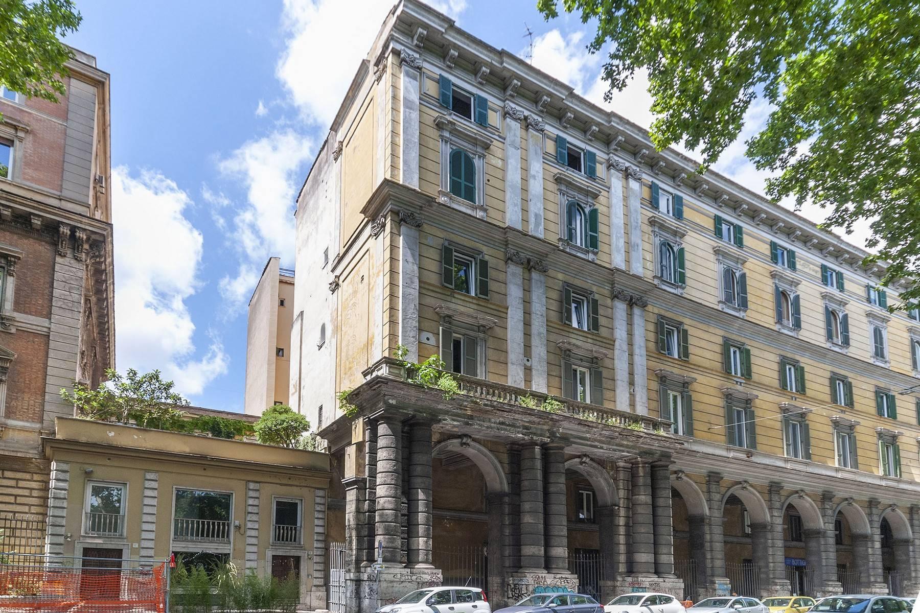 Appartamento in Vendita a Roma 28 Trastevere / Testaccio: 5 locali, 136 mq