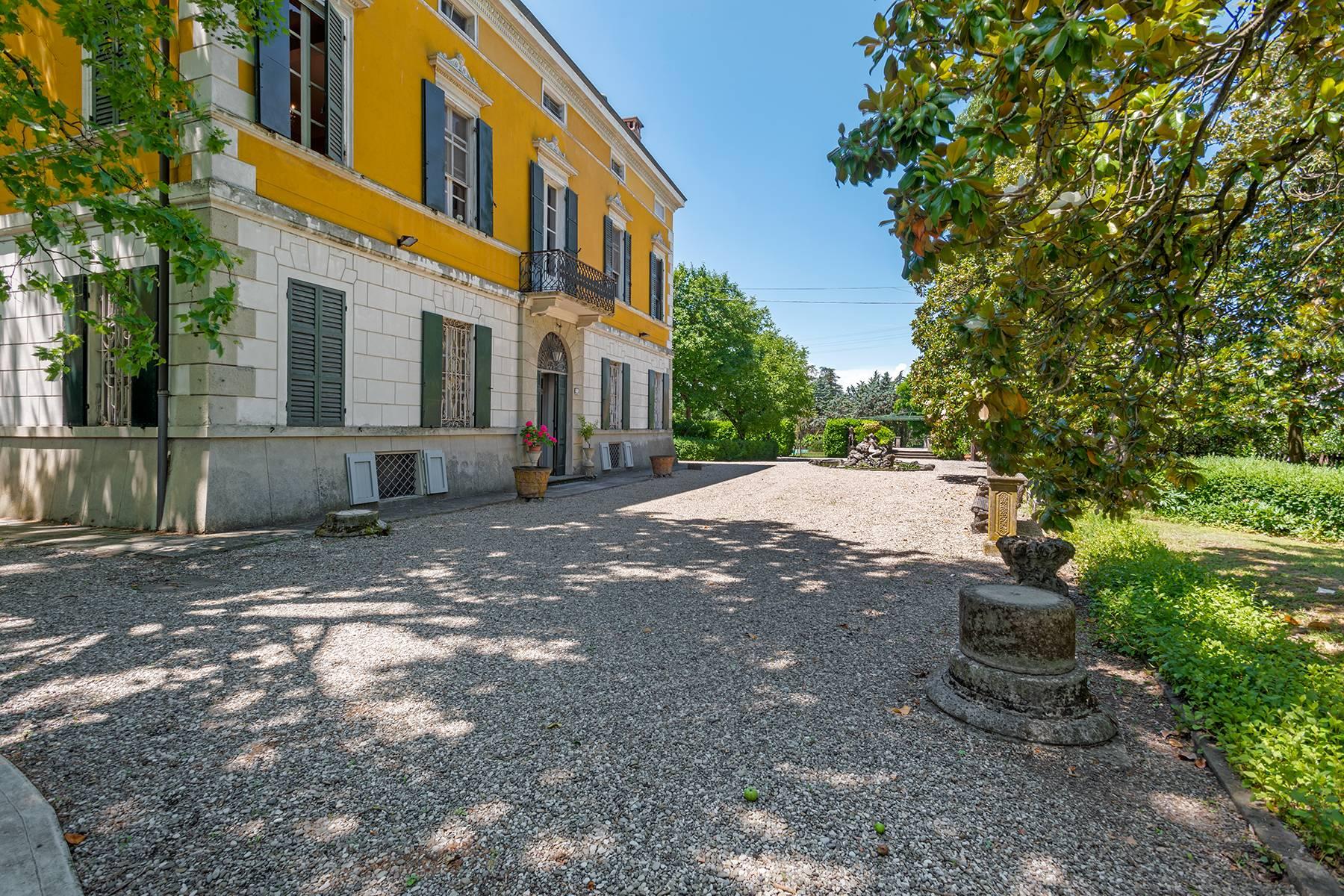 Villa in Vendita a Collecchio: 5 locali, 1310 mq - Foto 2
