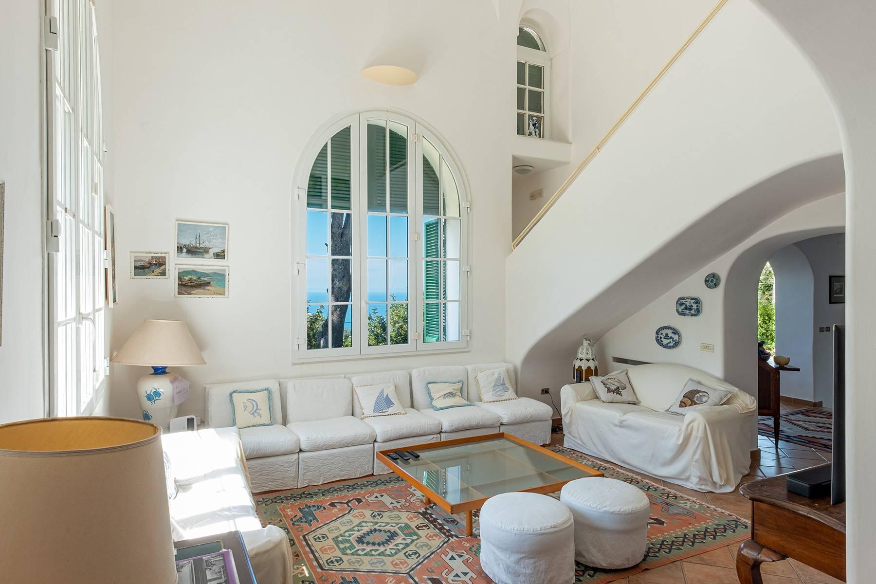 Villa in Vendita a Capri via monticello
