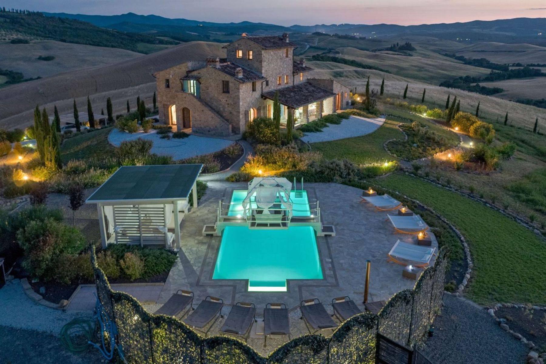 Villa in Vendita a Volterra: 5 locali, 450 mq