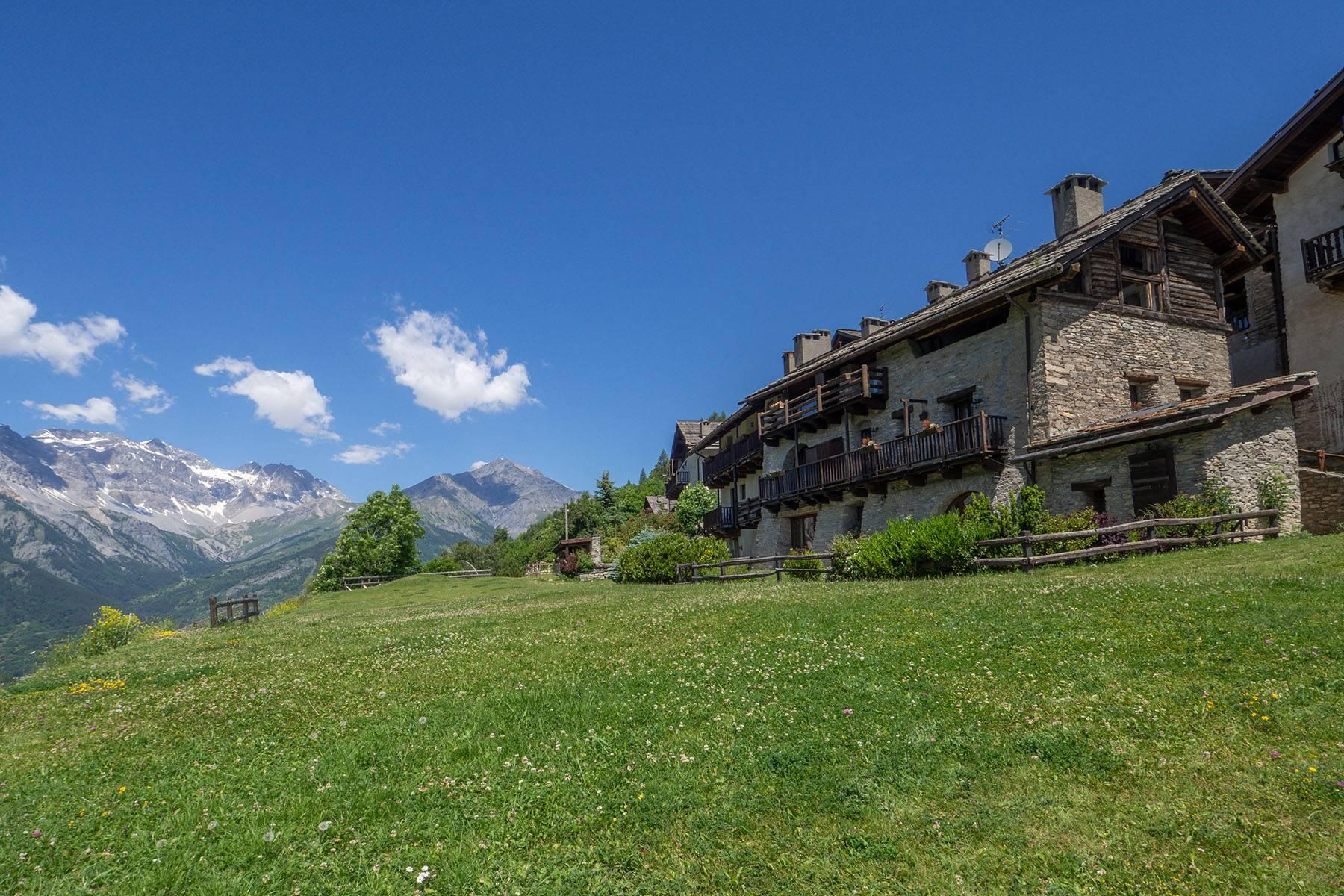 Appartamento in Vendita a Bardonecchia: 5 locali, 156 mq