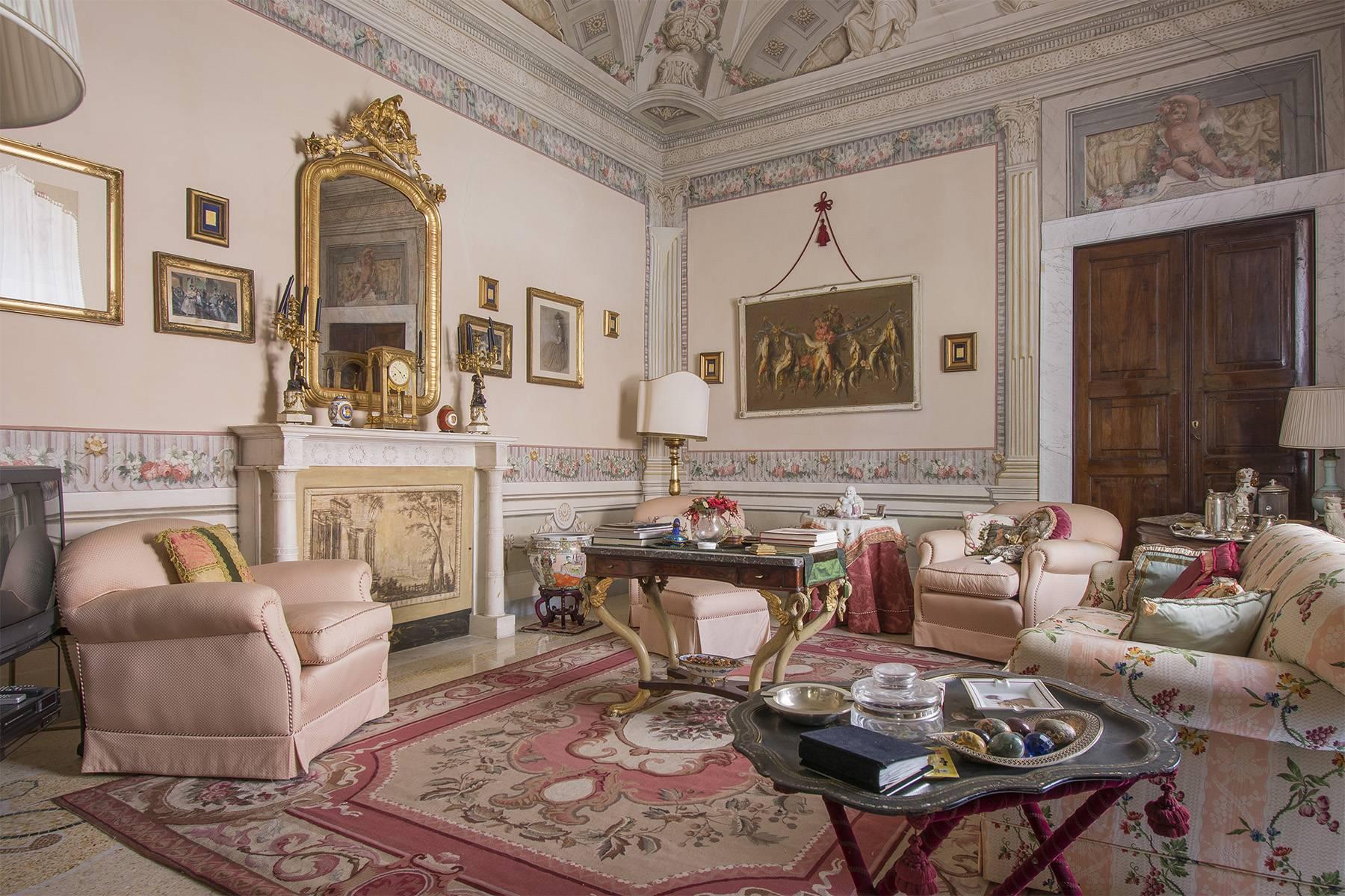 Appartamento in Vendita a Sarzana: 5 locali, 340 mq - Foto 1