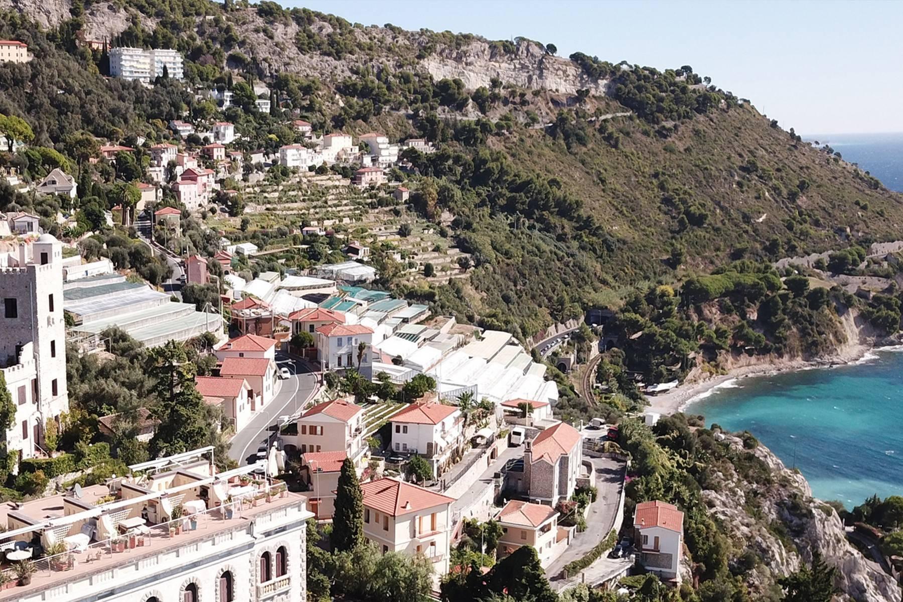 Appartamento in Vendita a Ventimiglia: 4 locali, 116 mq