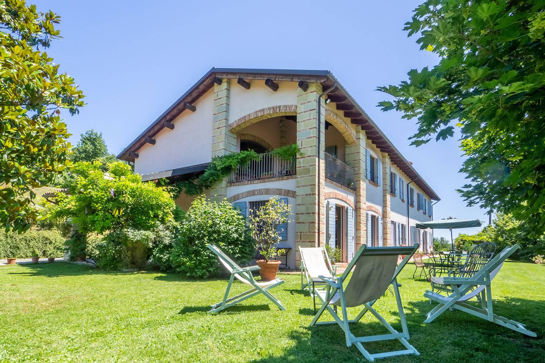 Rustico in Vendita a Ponzano Monferrato: 5 locali, 560 mq