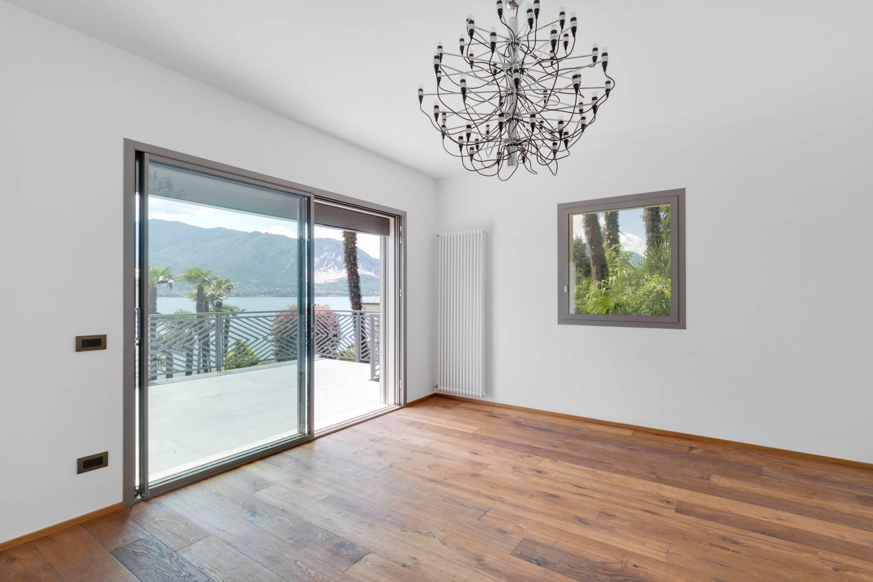 Villa in Vendita a Verbania: 5 locali, 250 mq
