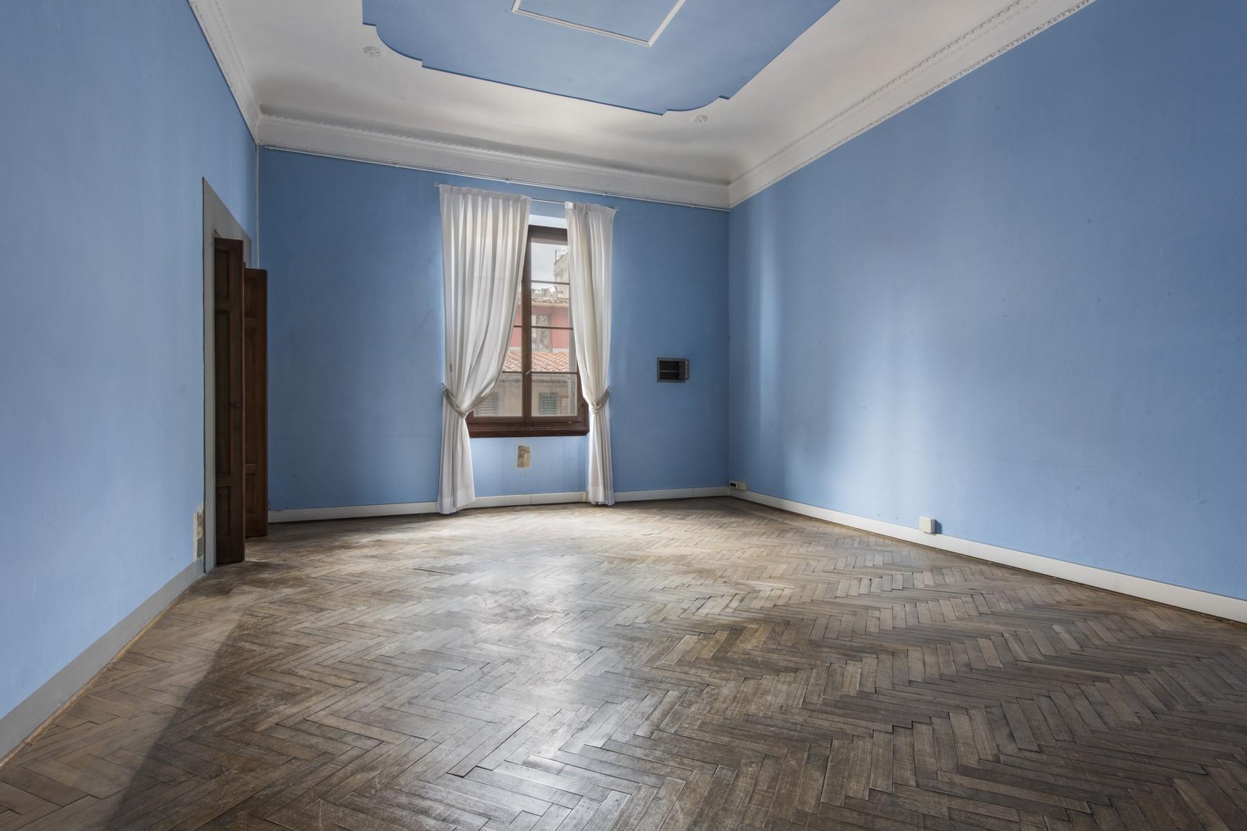 Appartamento in Vendita a Firenze: 5 locali, 520 mq - Foto 4