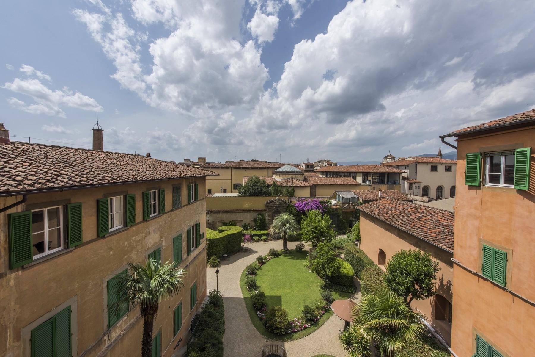 Appartamento in Vendita a Firenze: 5 locali, 520 mq - Foto 2