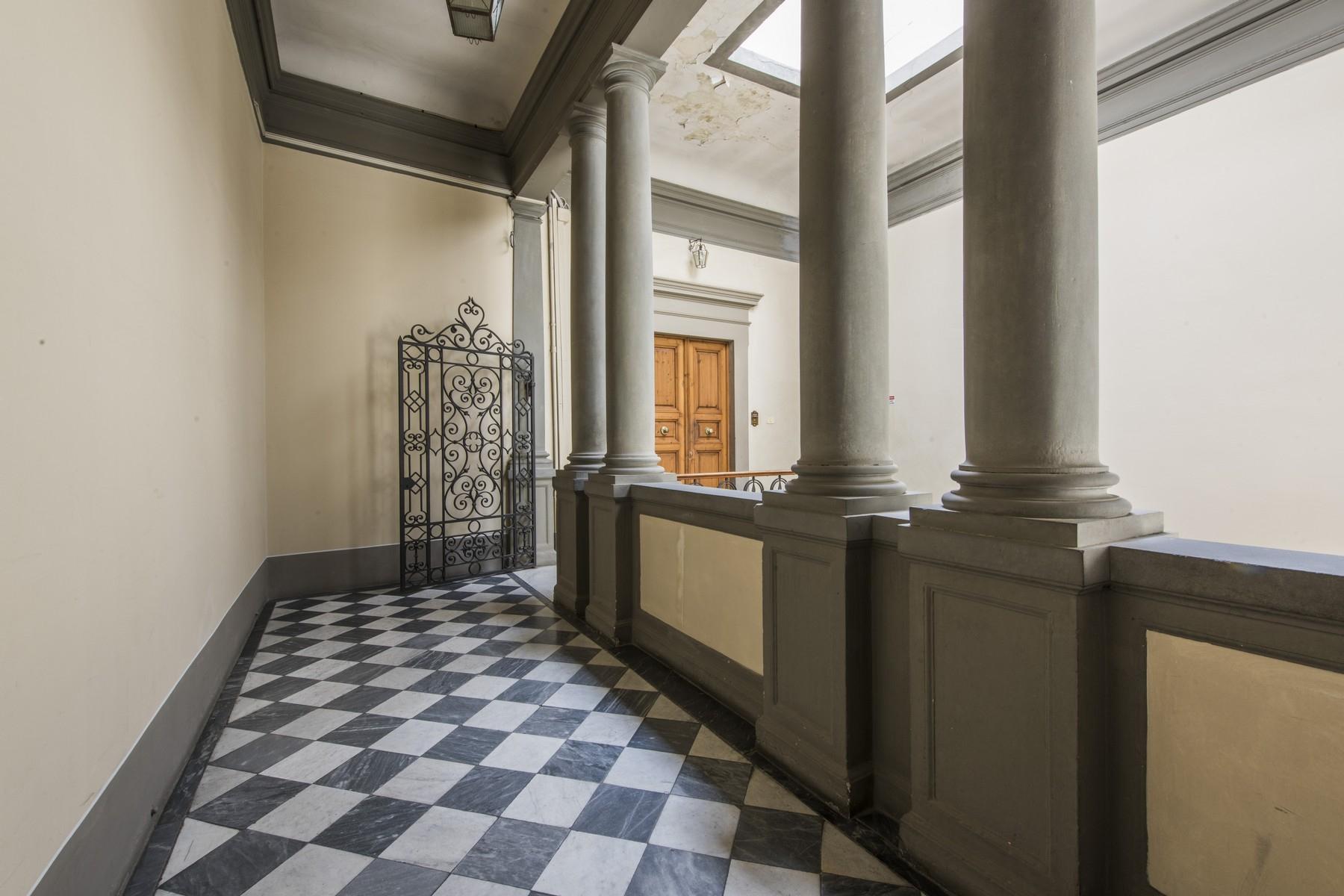 Appartamento in Vendita a Firenze: 5 locali, 520 mq - Foto 3
