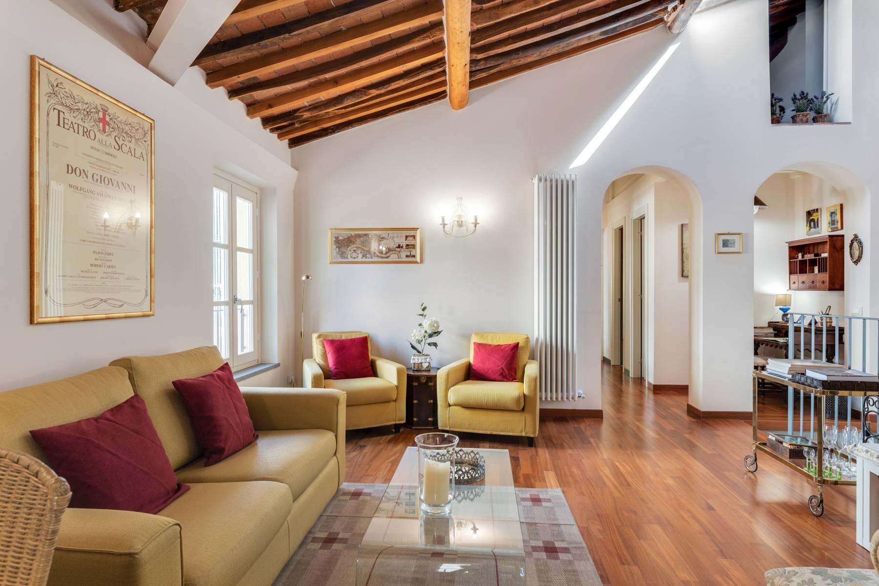 Appartamento in Vendita a Lucca Centro: 4 locali, 120 mq