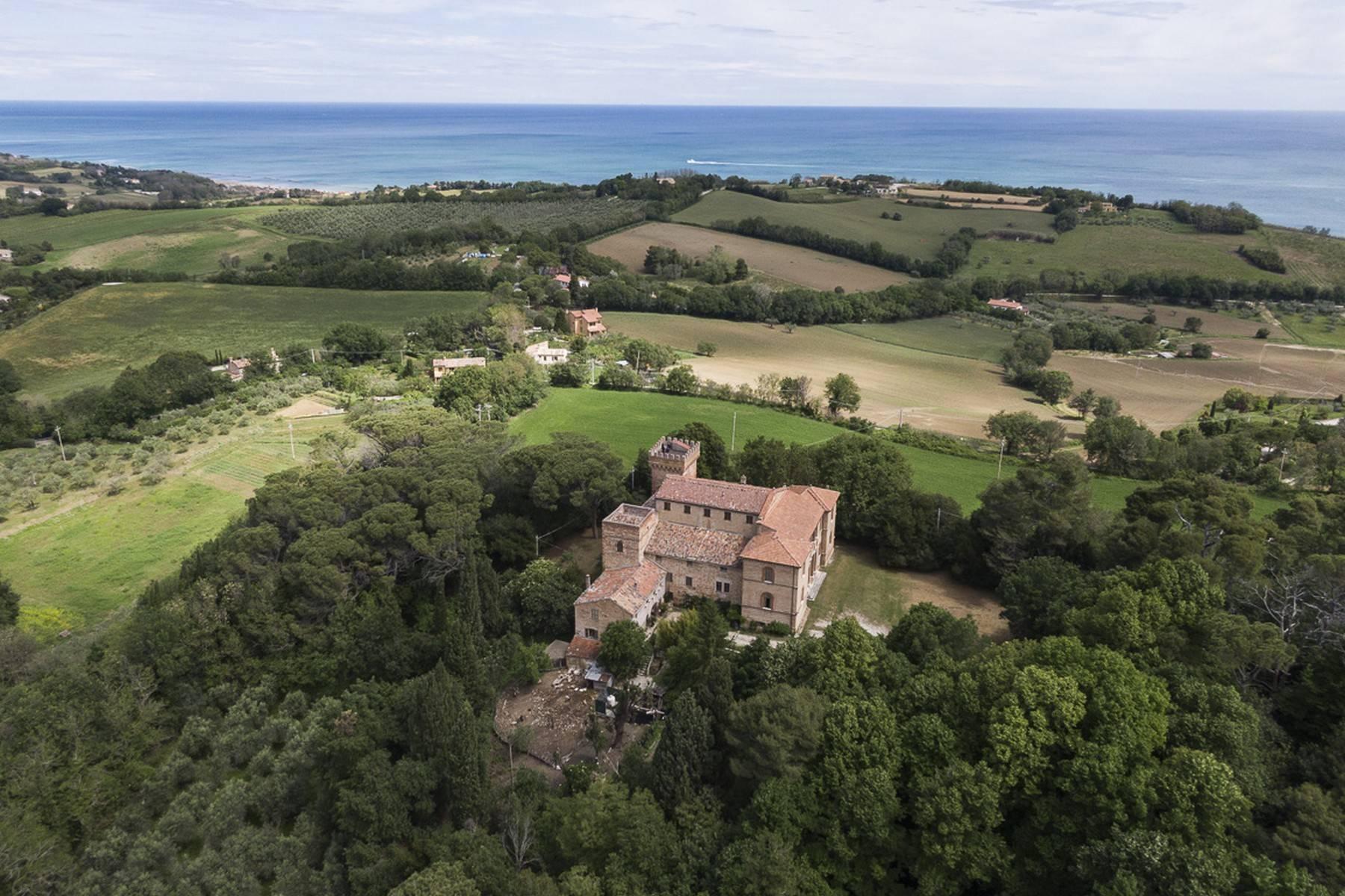 Villa in Vendita a Fano: 5 locali, 2300 mq - Foto 12