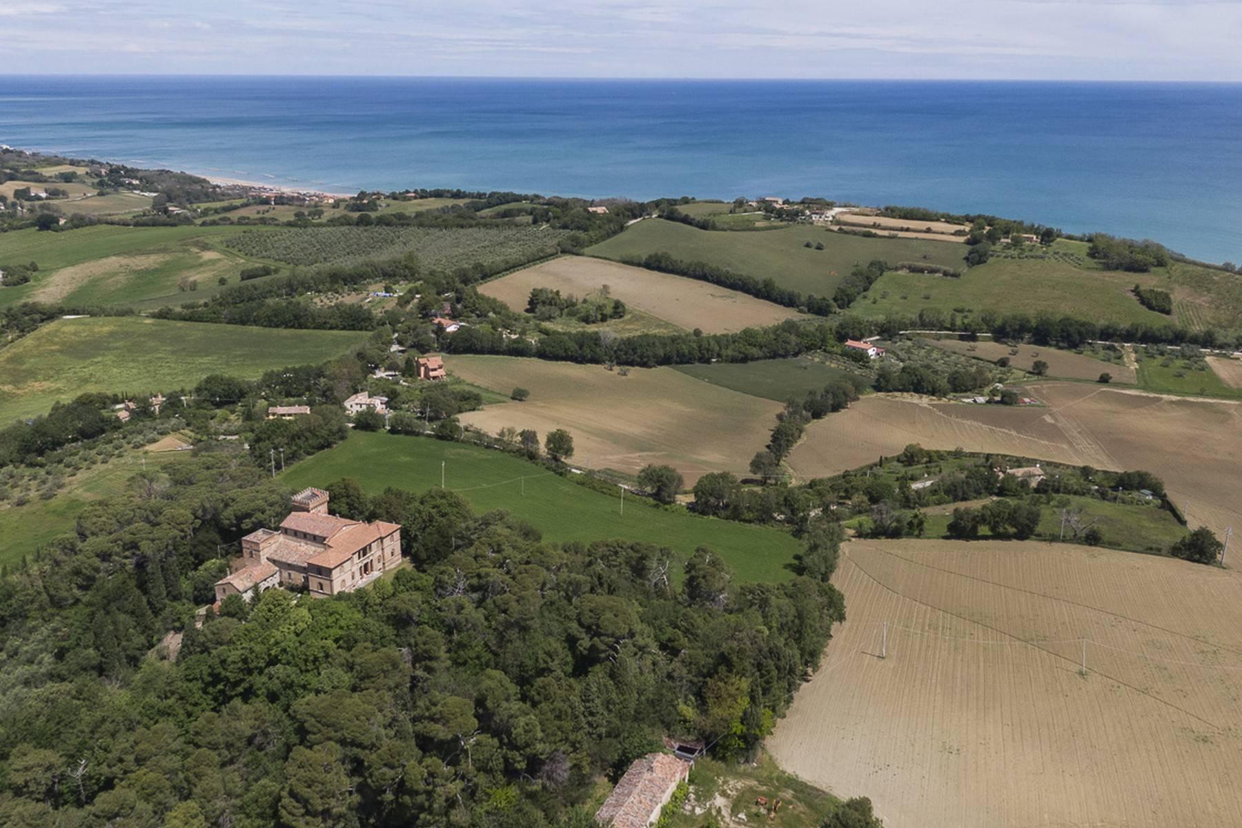 Villa in Vendita a Fano: 5 locali, 2300 mq - Foto 10