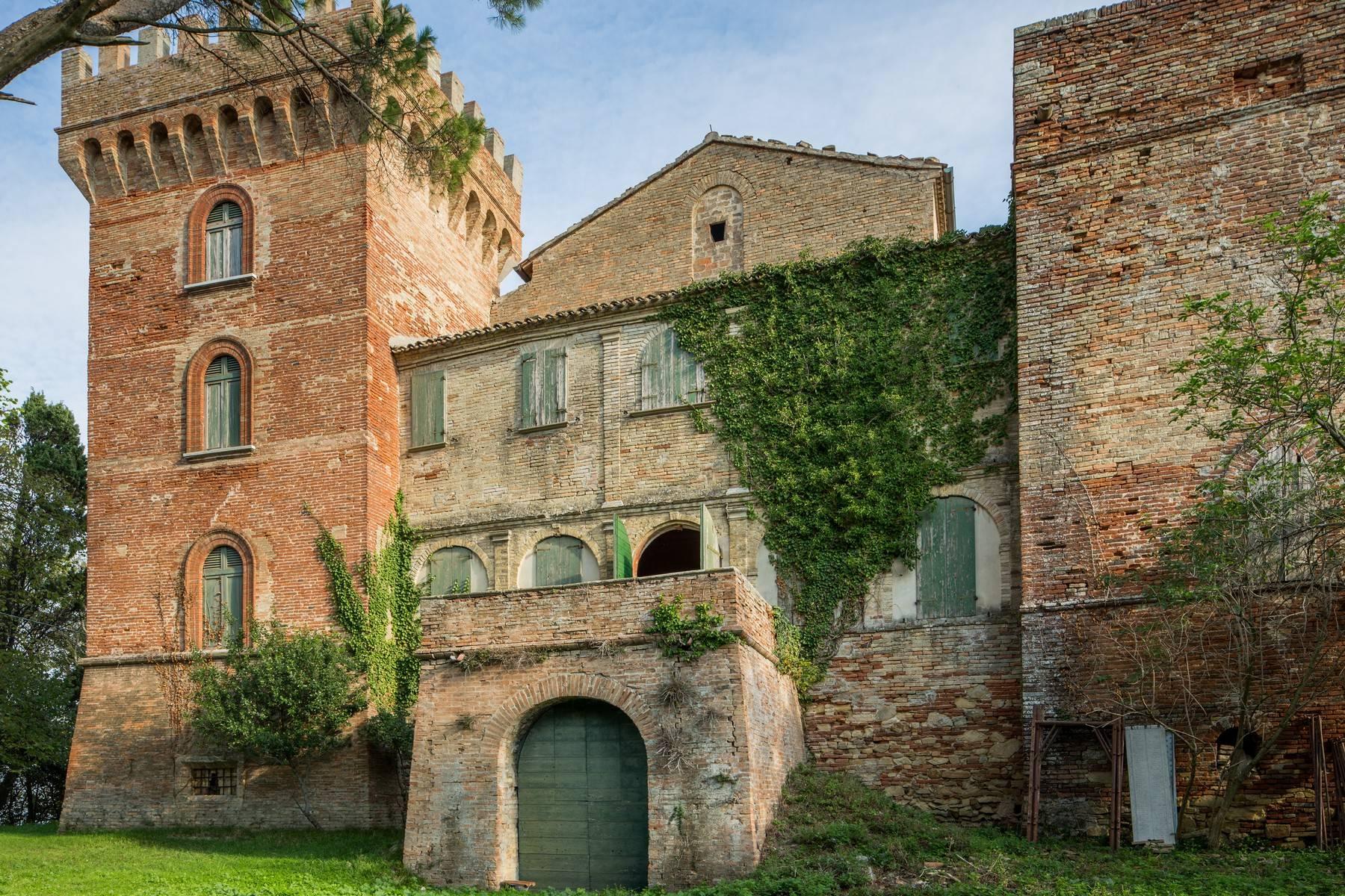 Villa in Vendita a Fano: 5 locali, 2300 mq - Foto 5