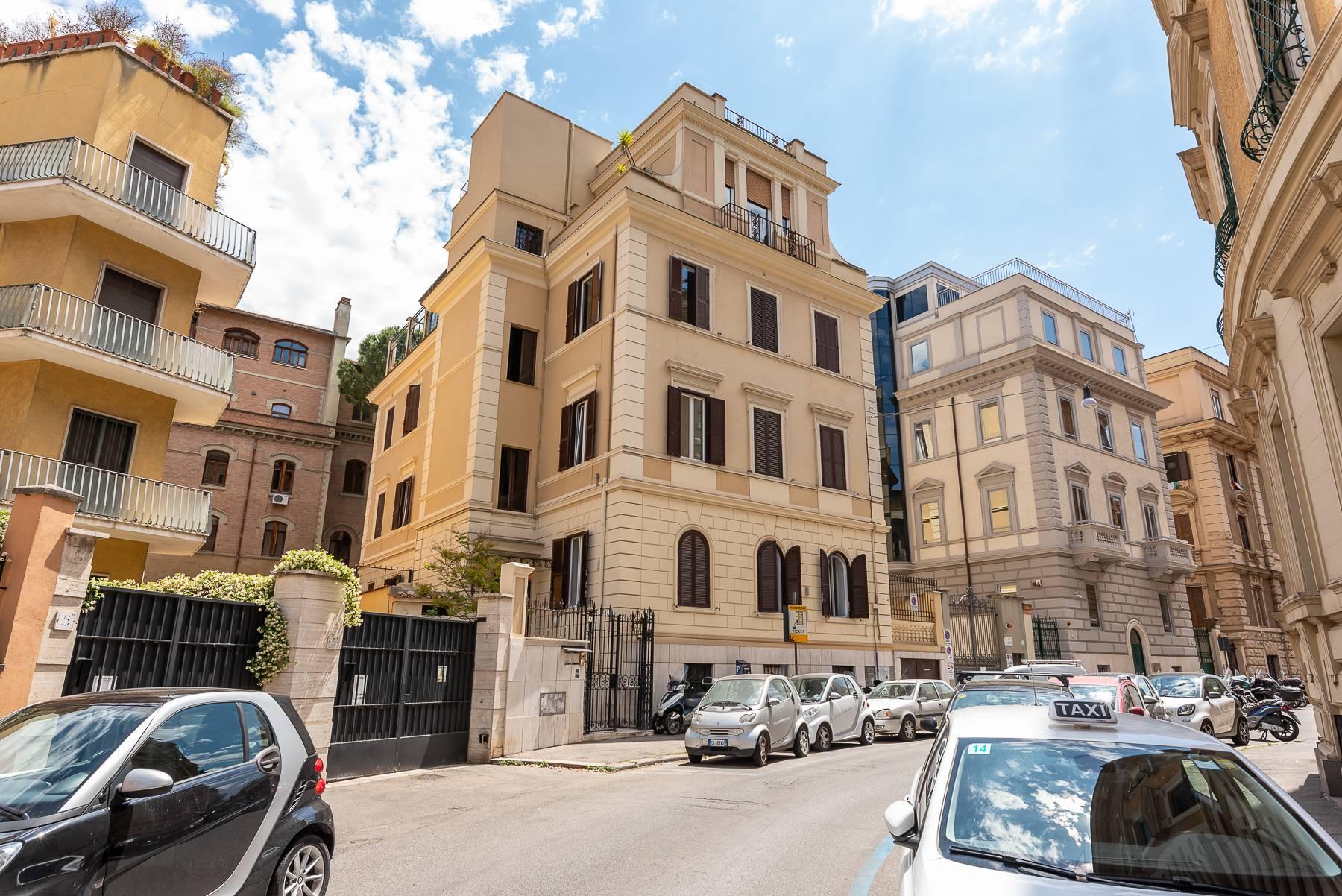 Ufficio-studio in Vendita a Roma: 5 locali, 322 mq - Foto 2