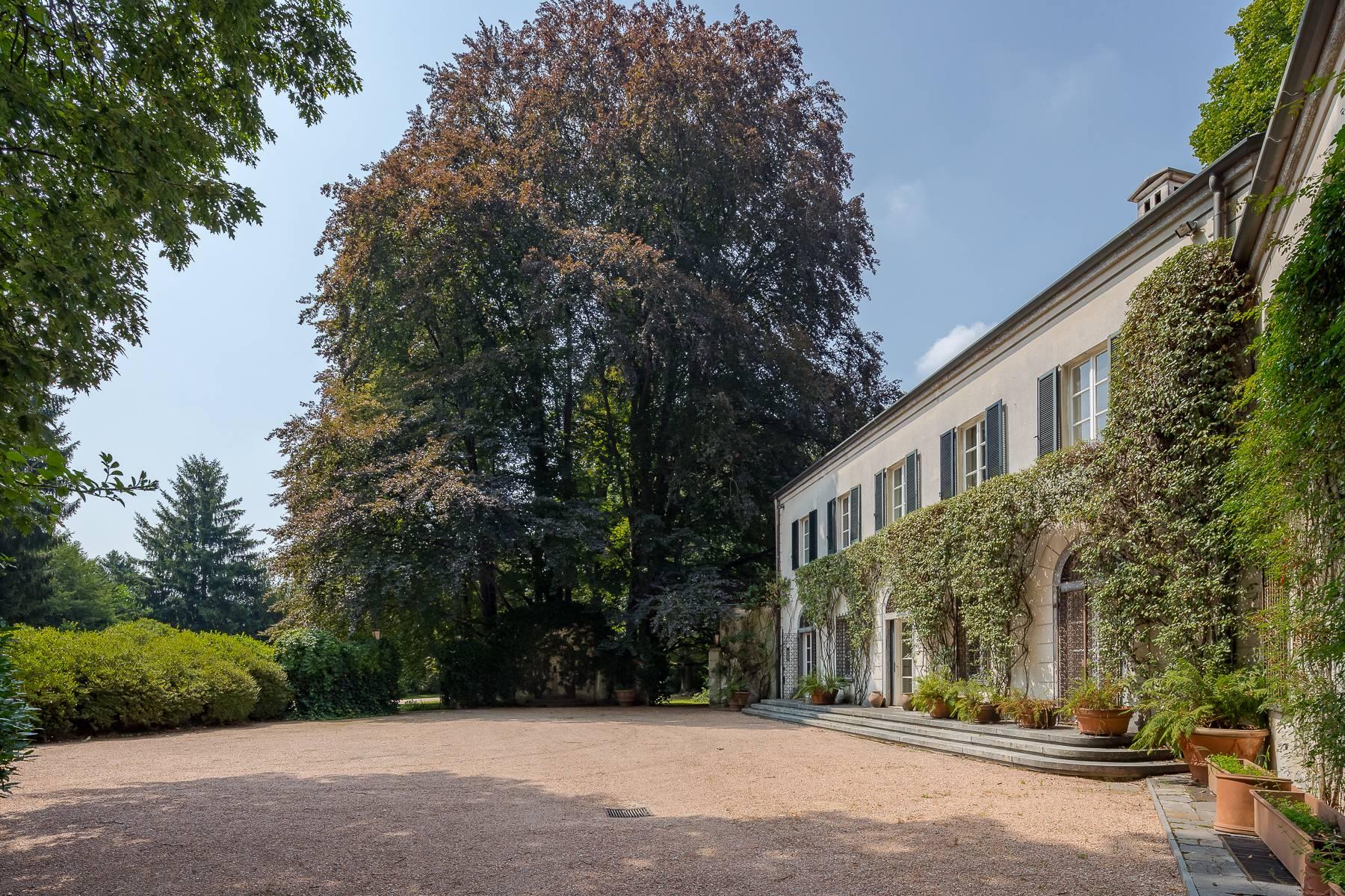 Villa in Vendita a Somma Lombardo: 5 locali, 750 mq - Foto 4