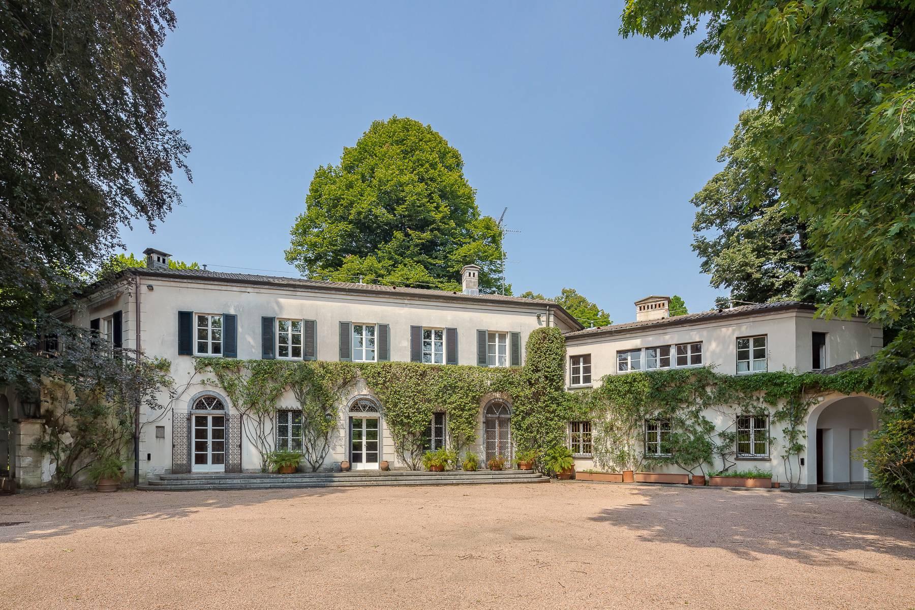 Villa in Vendita a Somma Lombardo:  5 locali, 750 mq  - Foto 1