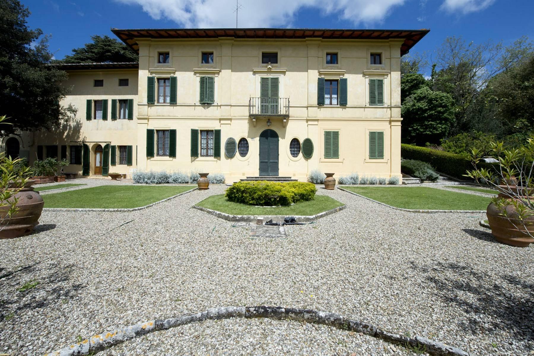 Villa in Vendita a Monteriggioni: 5 locali, 873 mq