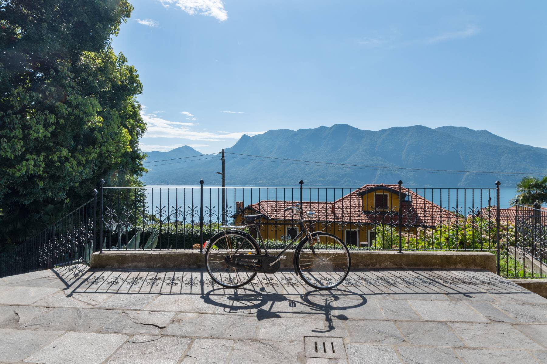 Villa in Vendita a Ghiffa: 5 locali, 300 mq - Foto 1