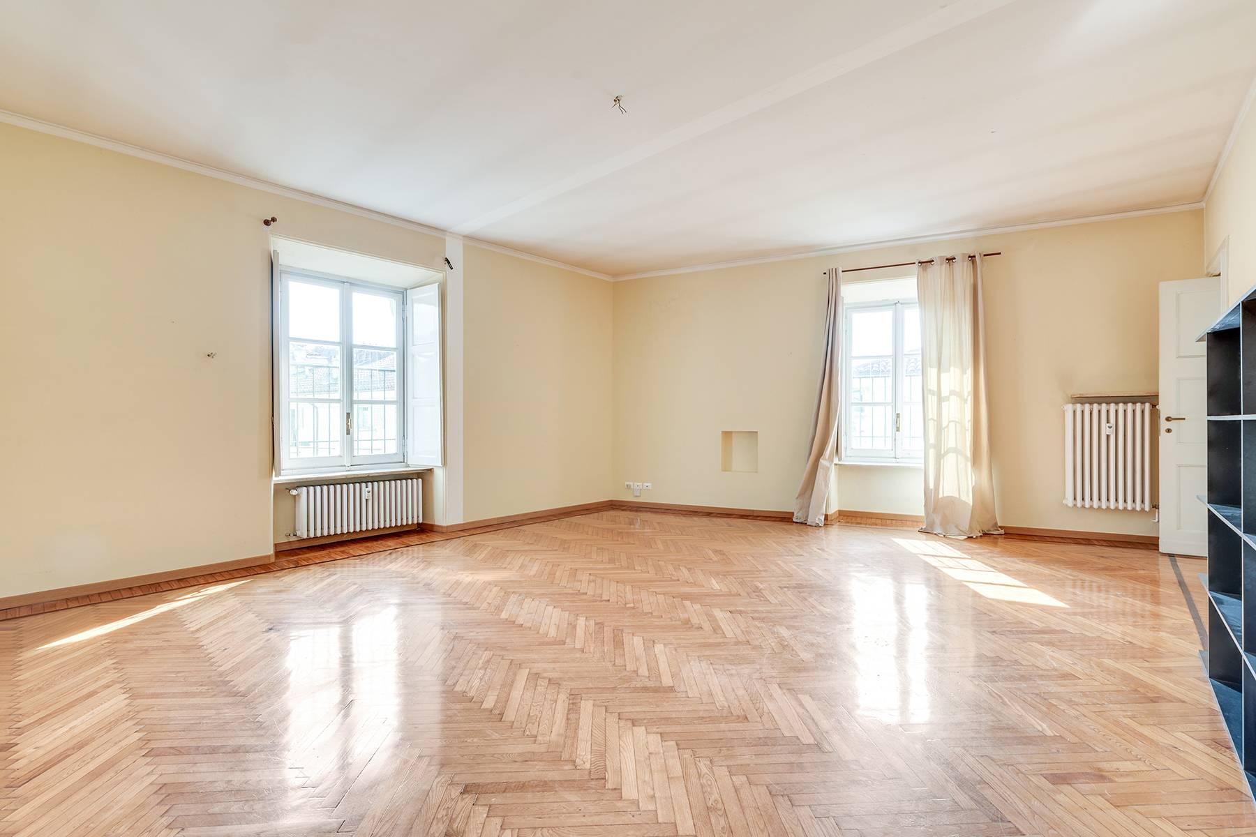 Appartamento in Affitto a Torino: 5 locali, 153 mq - Foto 3
