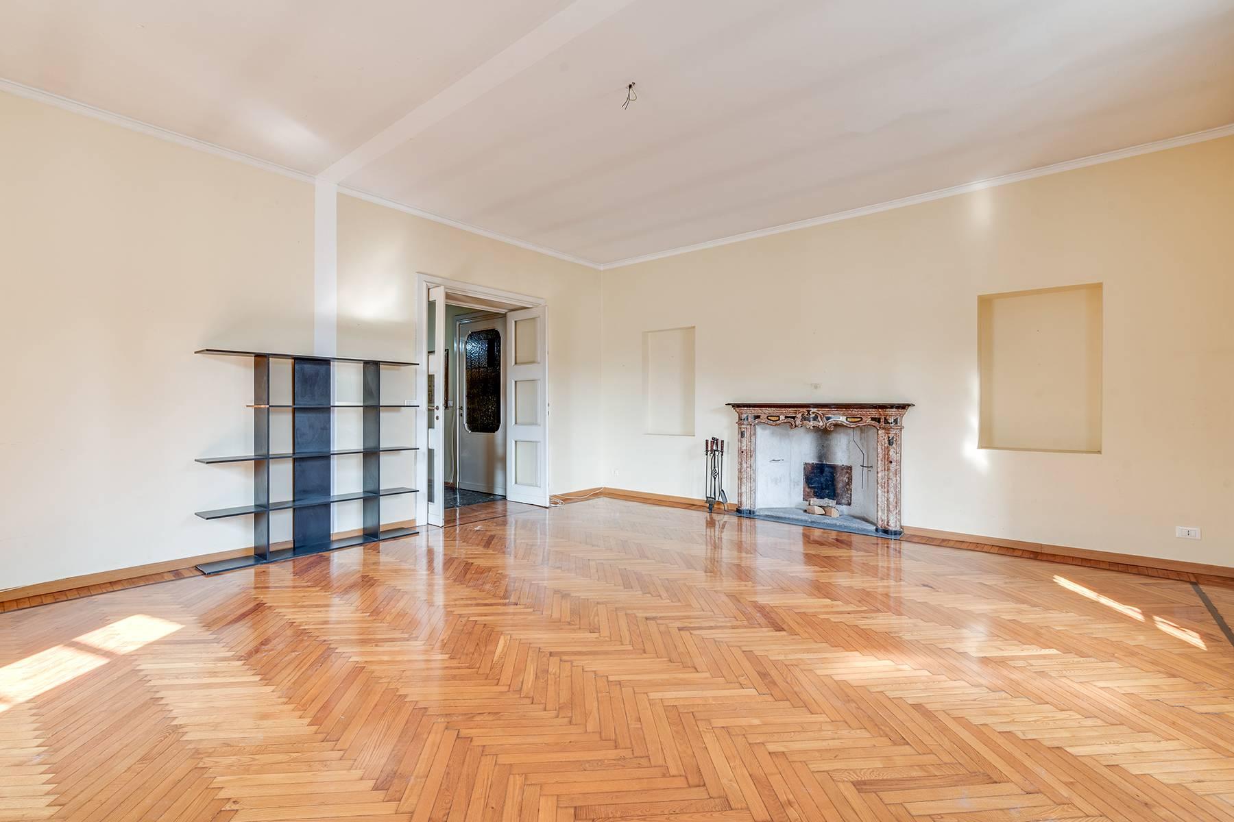 Appartamento in Affitto a Torino: 5 locali, 153 mq - Foto 2