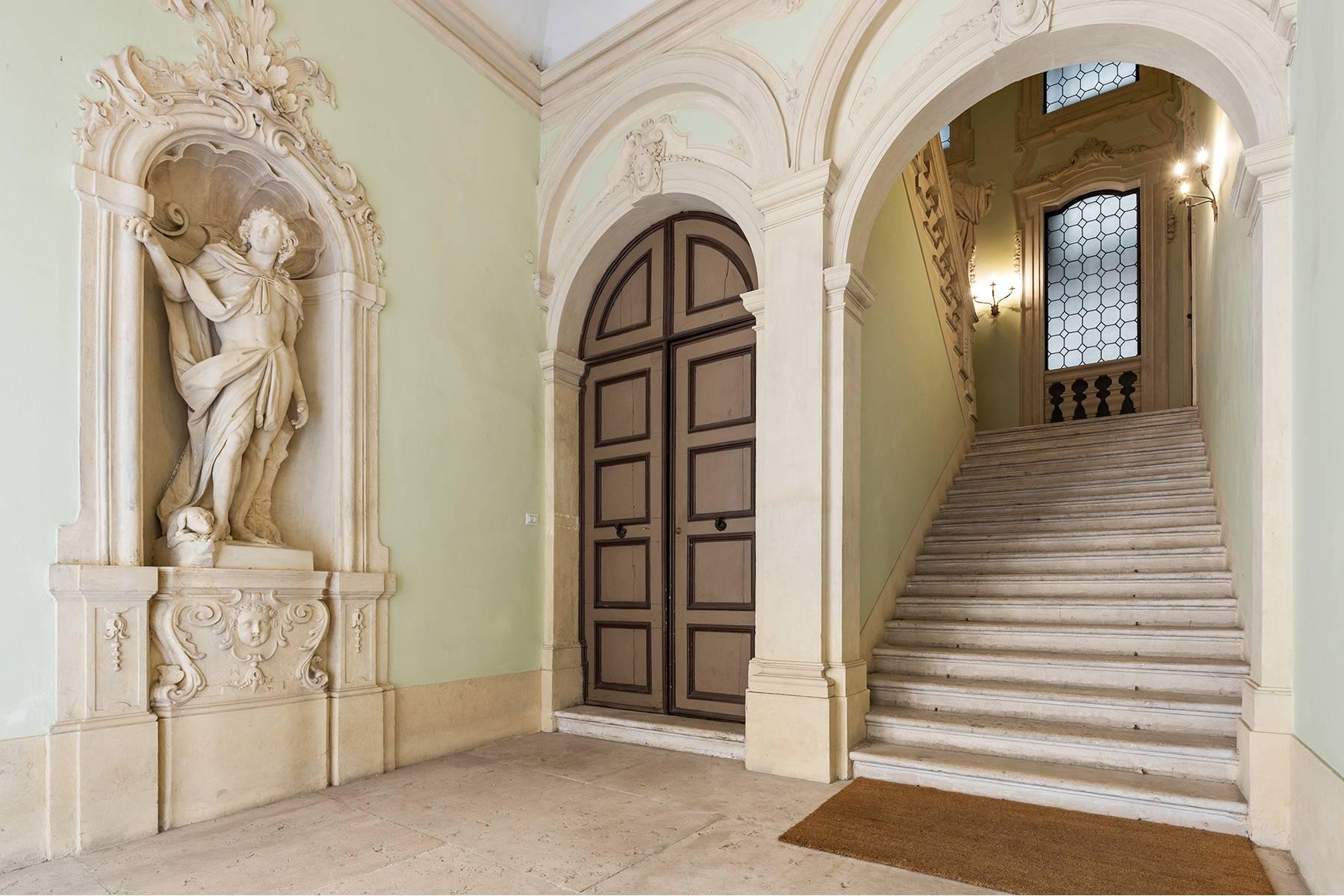 Appartamento in Vendita a Verona: 5 locali, 615 mq - Foto 5