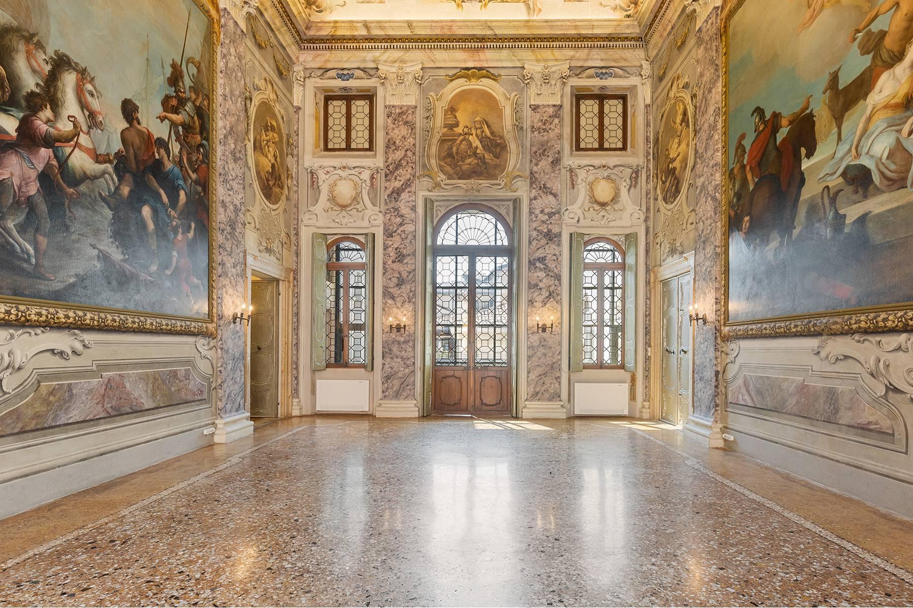 Appartamento in Vendita a Verona: 5 locali, 615 mq - Foto 26