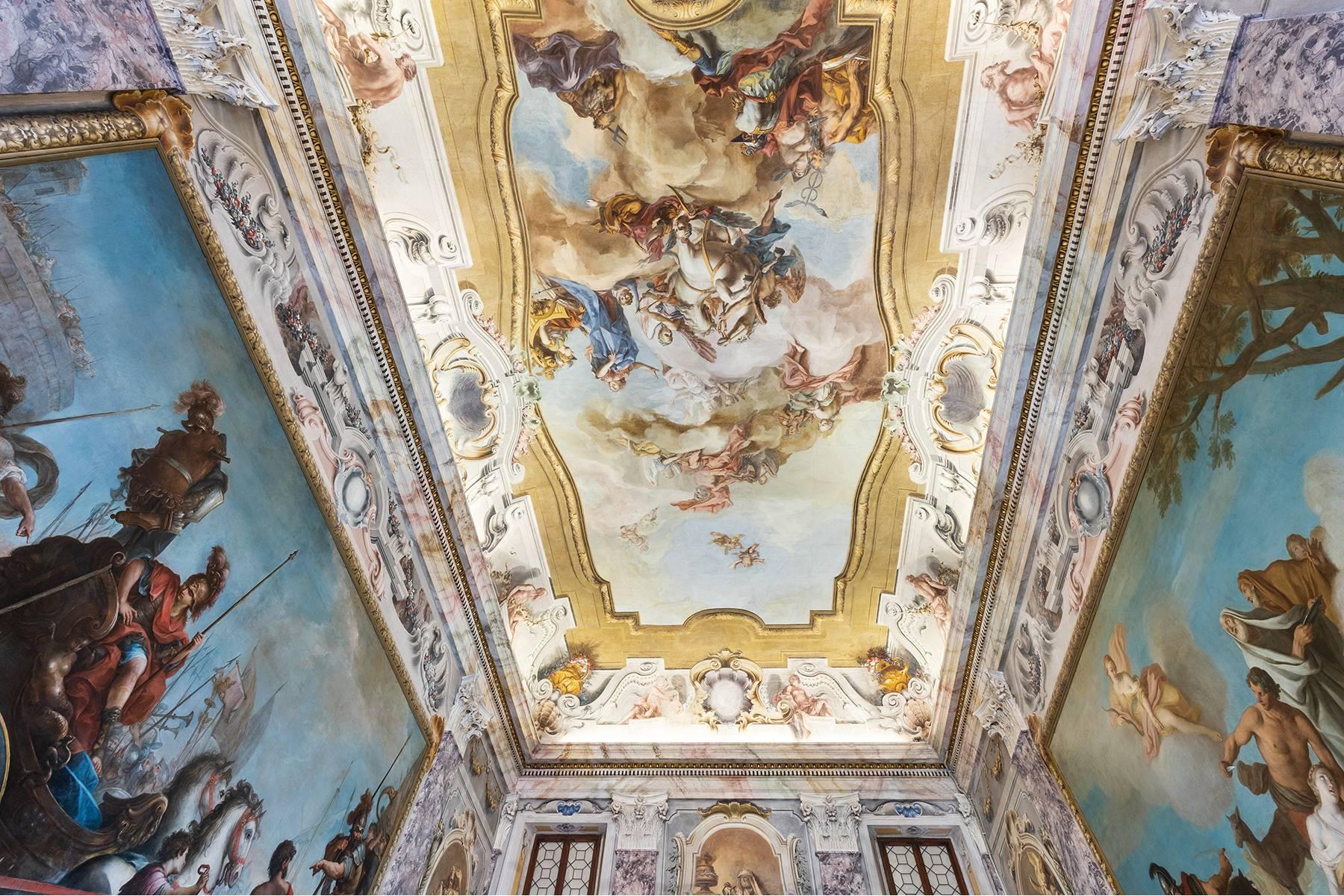 Appartamento in Vendita a Verona: 5 locali, 615 mq - Foto 2