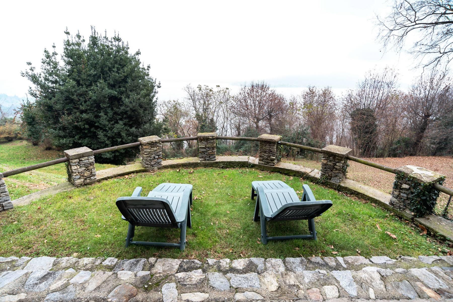 Villa in Vendita a Massino Visconti: 5 locali, 200 mq