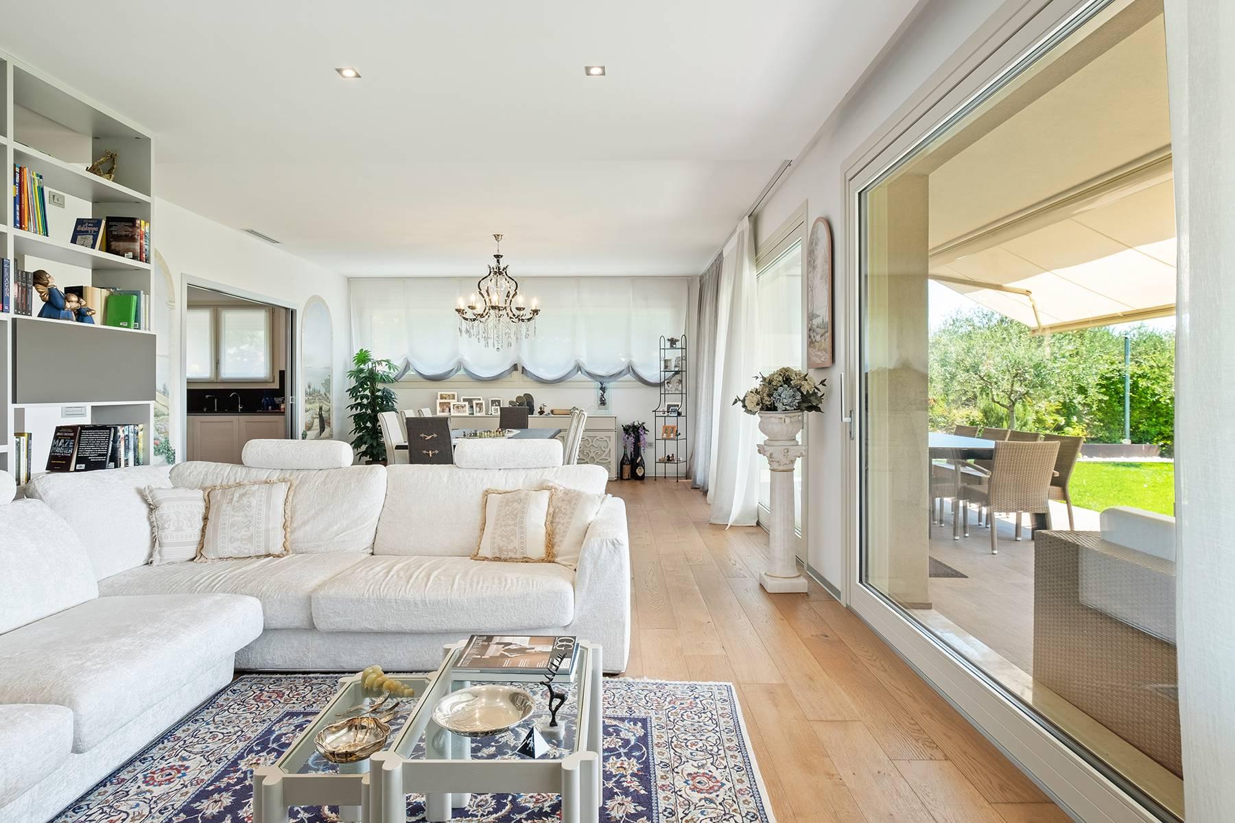 Appartamento in Vendita a Padenghe Sul Garda via giuseppe verdi