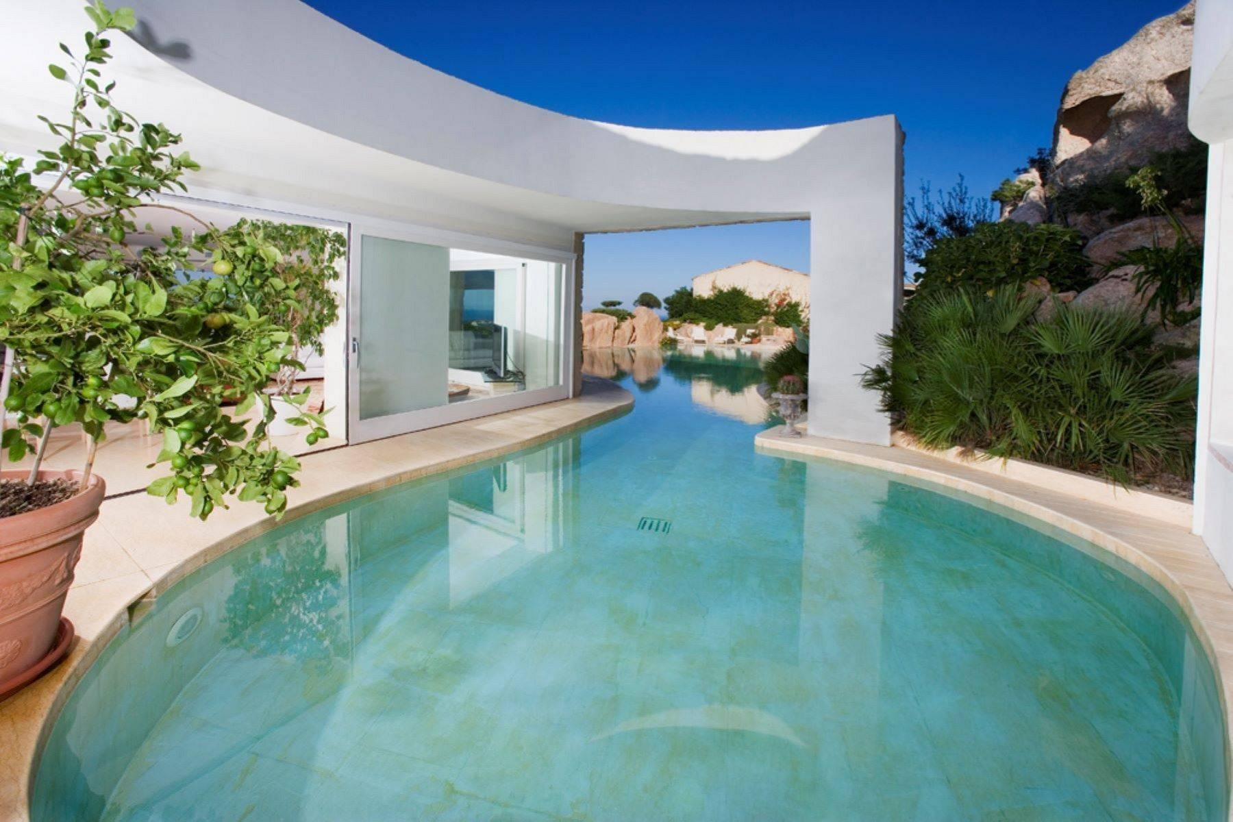 Villa in Vendita a Arzachena: 5 locali, 950 mq - Foto 4