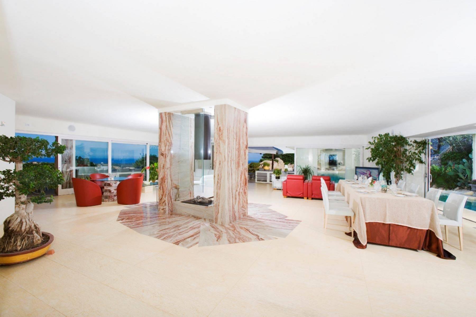 Villa in Vendita a Arzachena: 5 locali, 950 mq - Foto 6