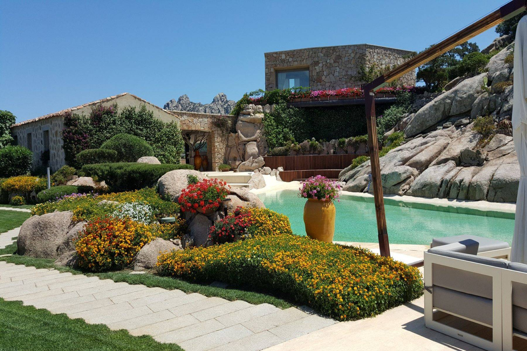 Villa in Vendita a Arzachena: 5 locali, 950 mq - Foto 13