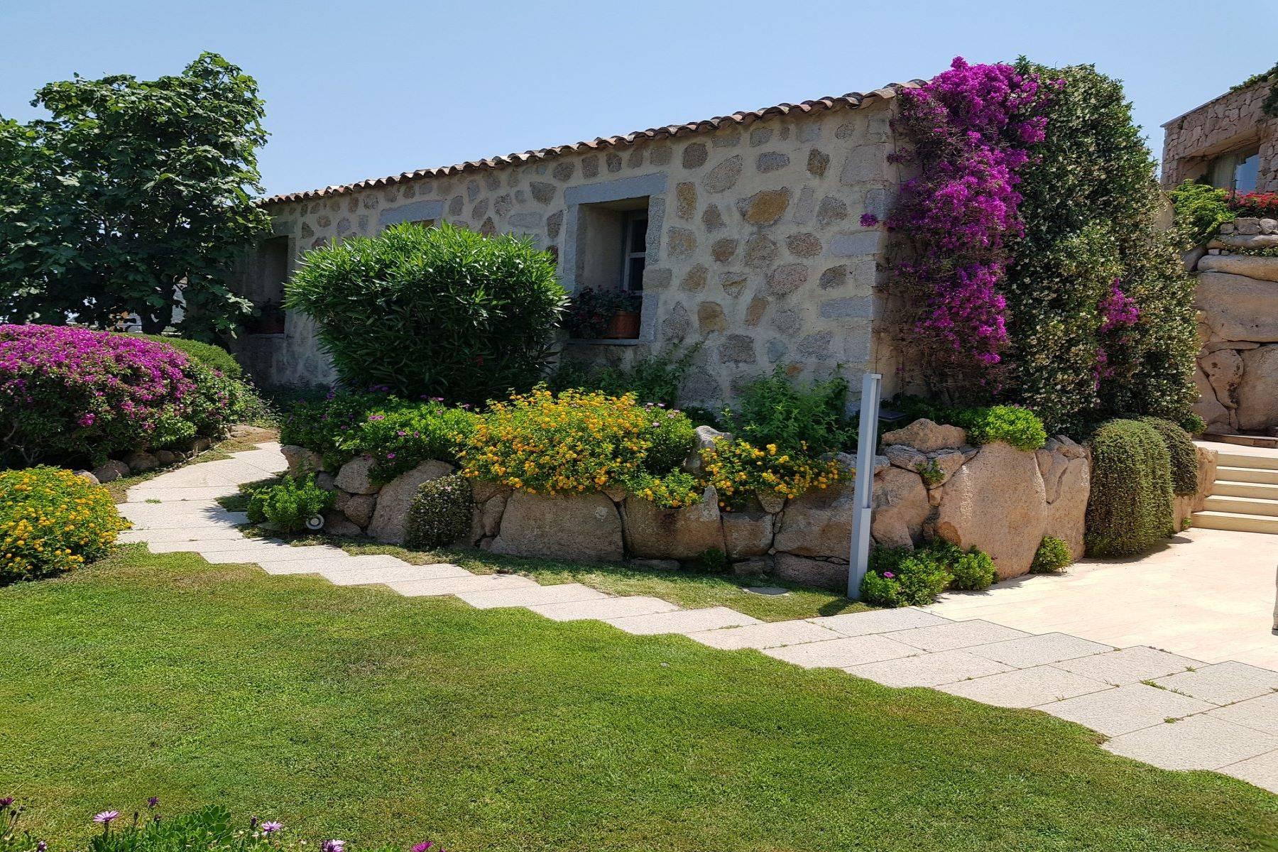 Villa in Vendita a Arzachena: 5 locali, 950 mq - Foto 19