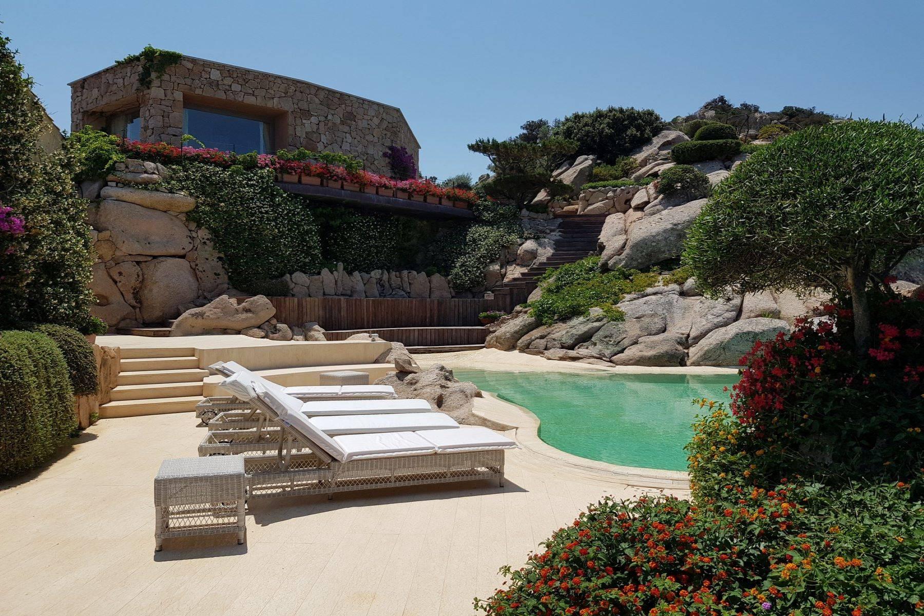 Villa in Vendita a Arzachena: 5 locali, 950 mq - Foto 12