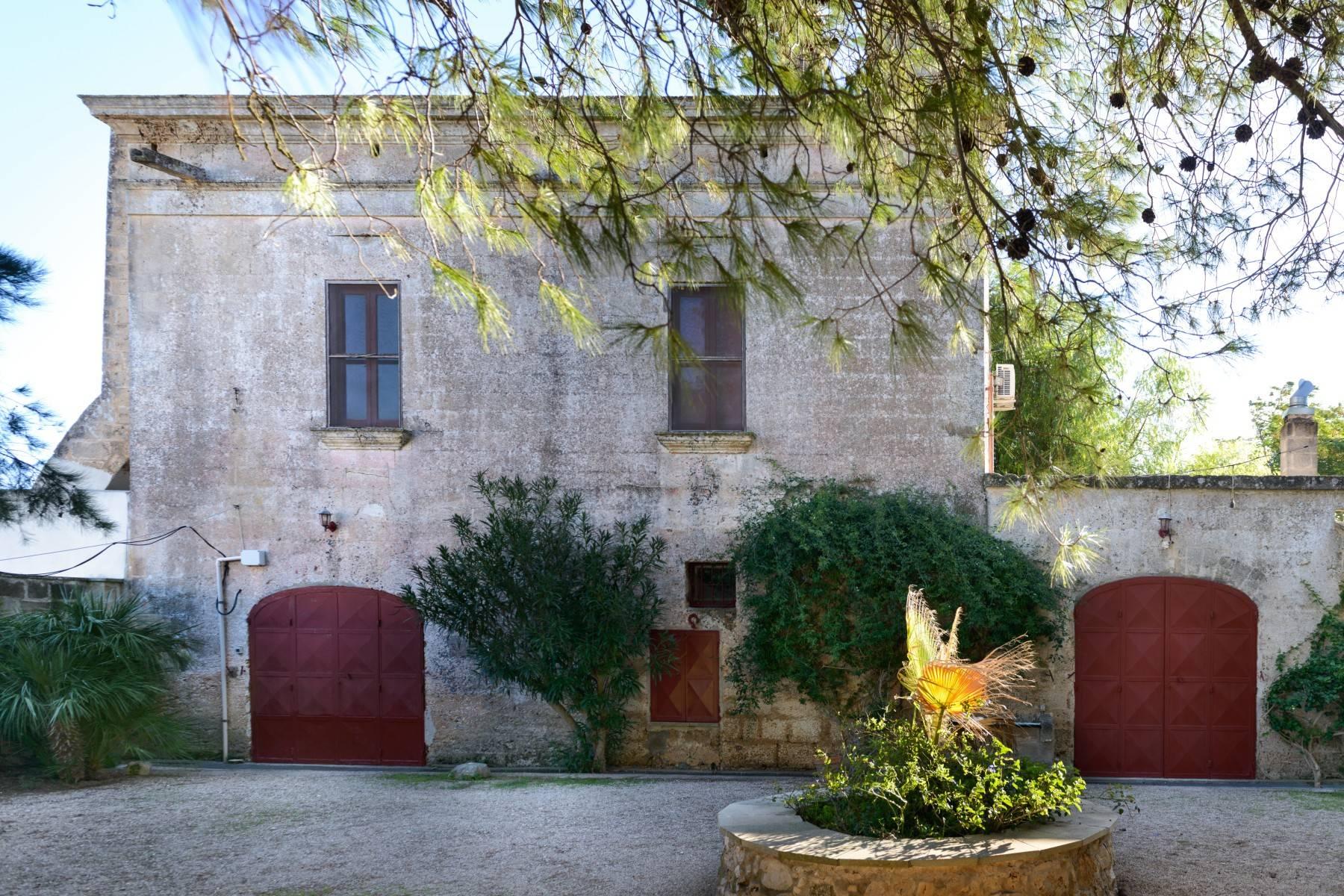 Villa in Vendita a Mesagne: 5 locali, 350 mq - Foto 2