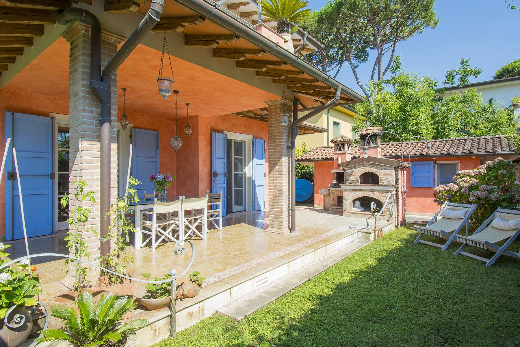 Casa indipendente in Vendita a Pietrasanta via umberto maddalena