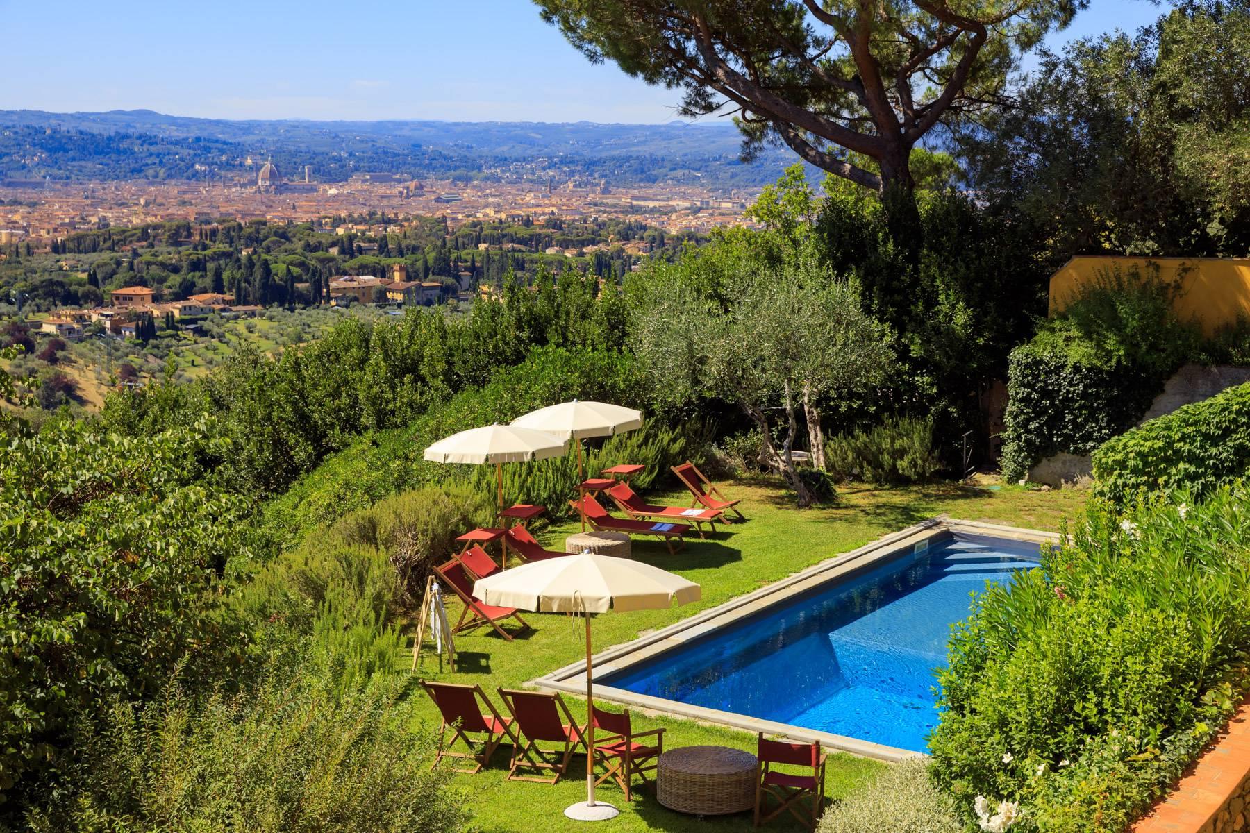 Villa in Affitto a Firenze Semicentro Nord: 5 locali, 600 mq
