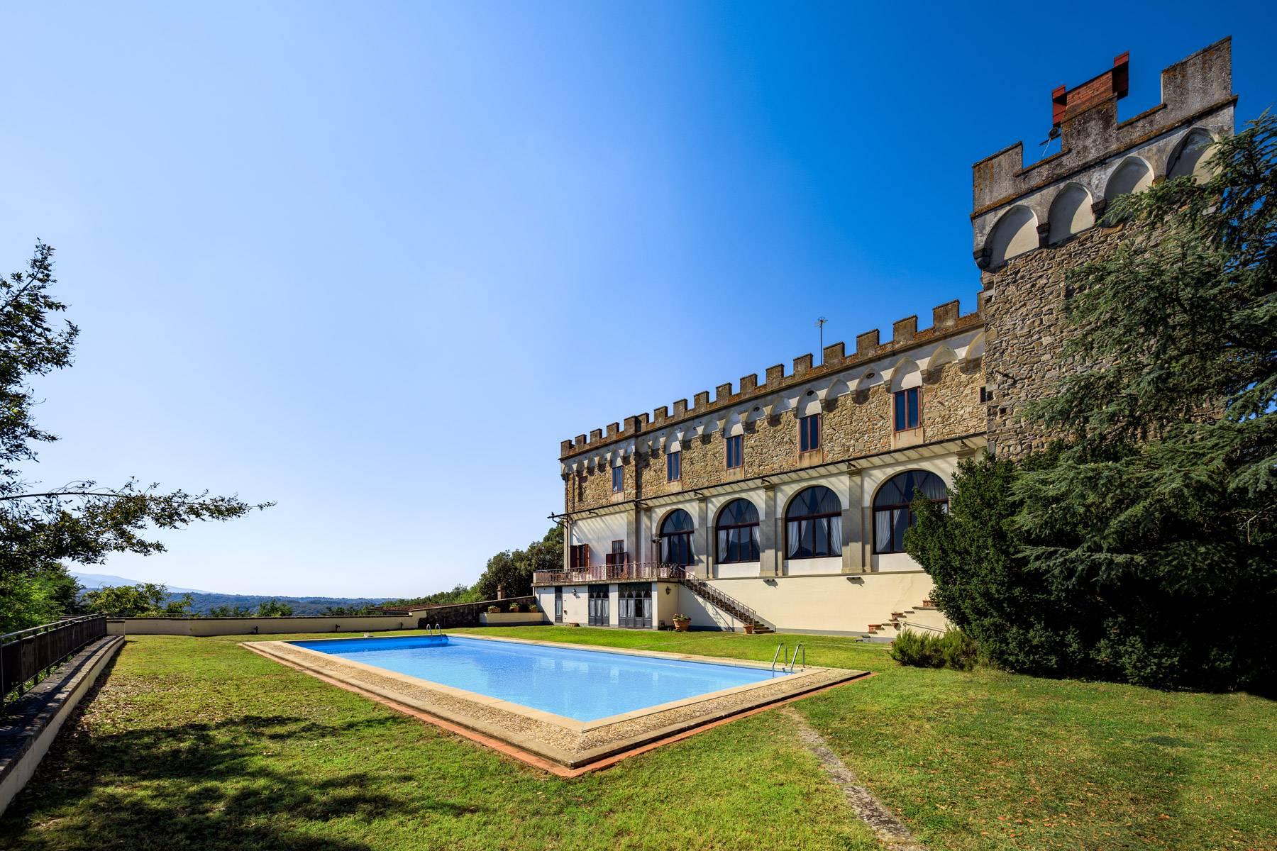 Villa in Vendita a Reggello: 5 locali, 2450 mq - Foto 2