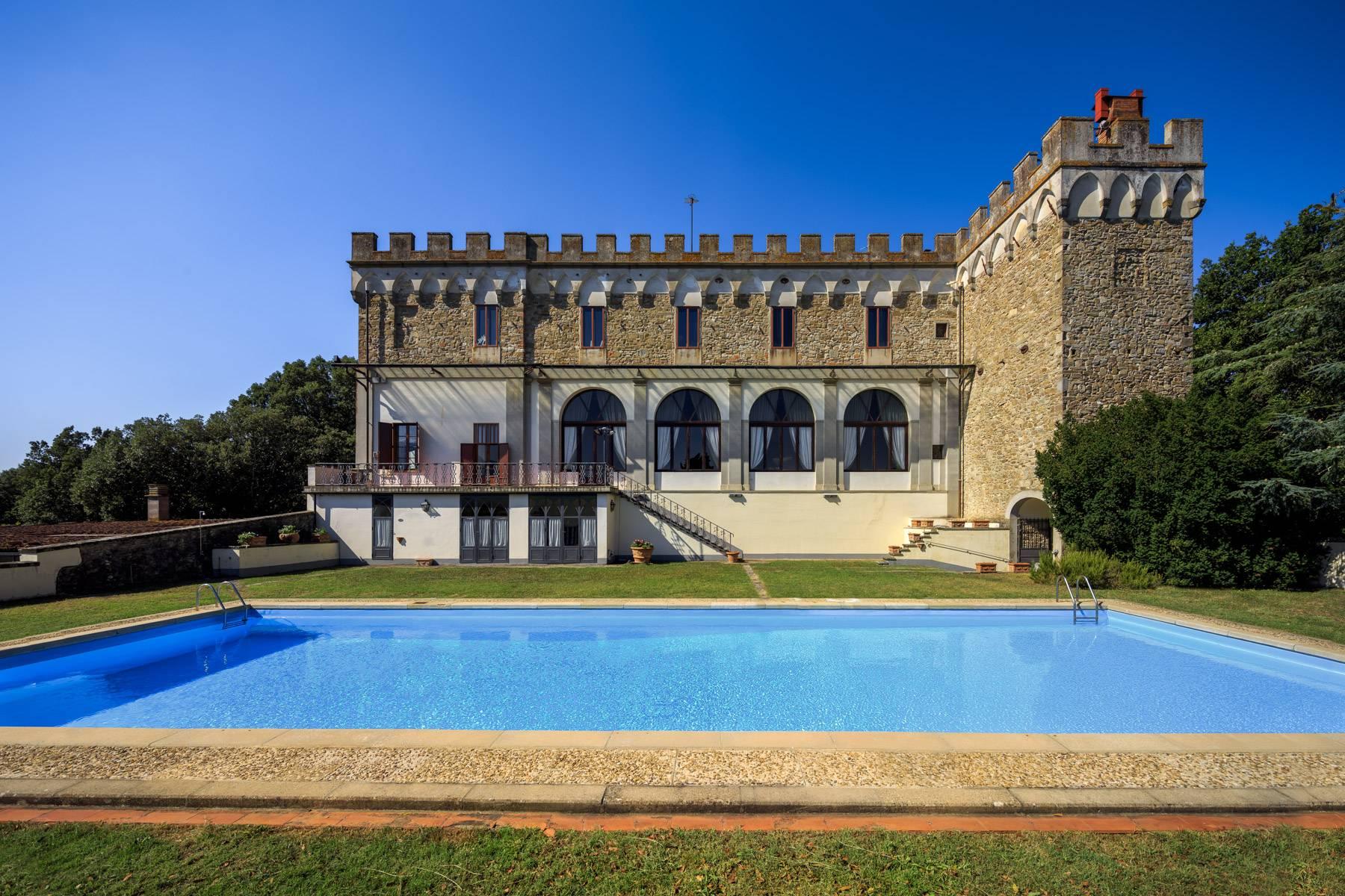 Villa in Vendita a Reggello: 5 locali, 2450 mq - Foto 3