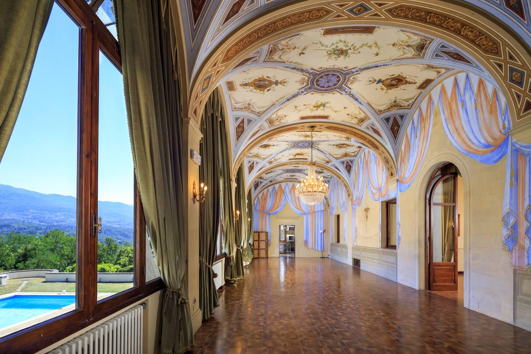 Villa in Vendita a Reggello: 5 locali, 2450 mq - Foto 4