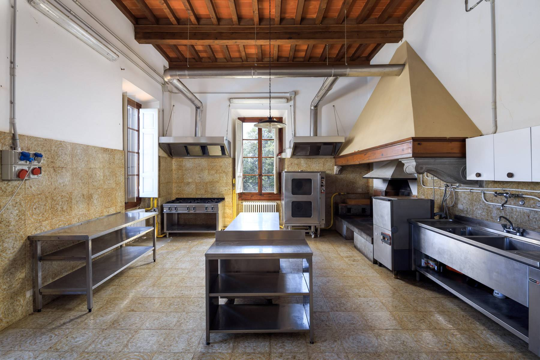 Villa in Vendita a Reggello: 5 locali, 2450 mq - Foto 12
