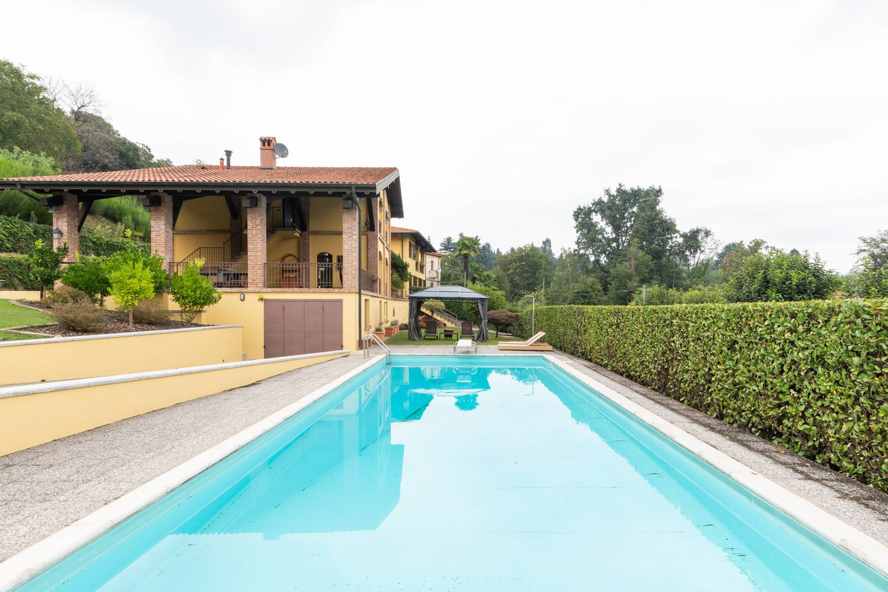 Villa in Vendita a Arona via campagna