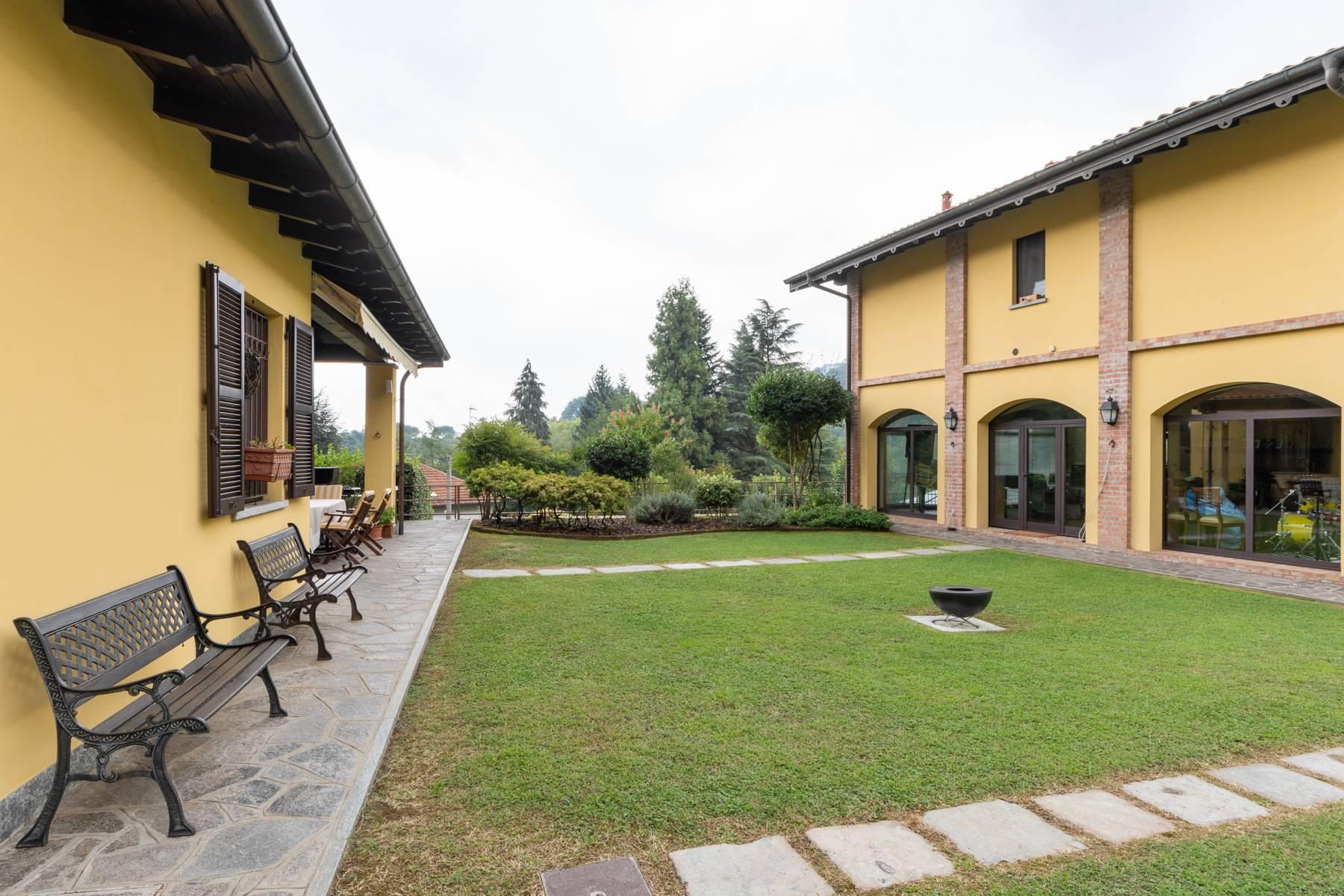 Villa in Vendita a Arona: 5 locali, 350 mq - Foto 4